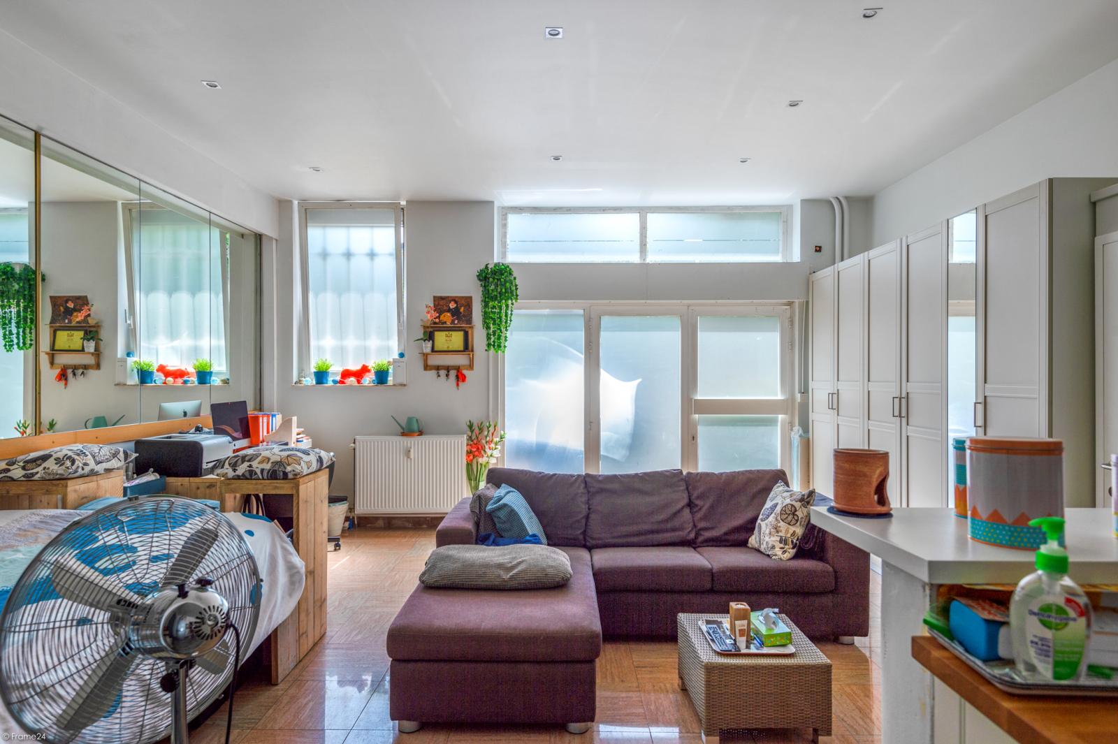 Riant gelijkvloers appartement met aparte studio en gezellige tuin te Deurne-Zuid! afbeelding 26