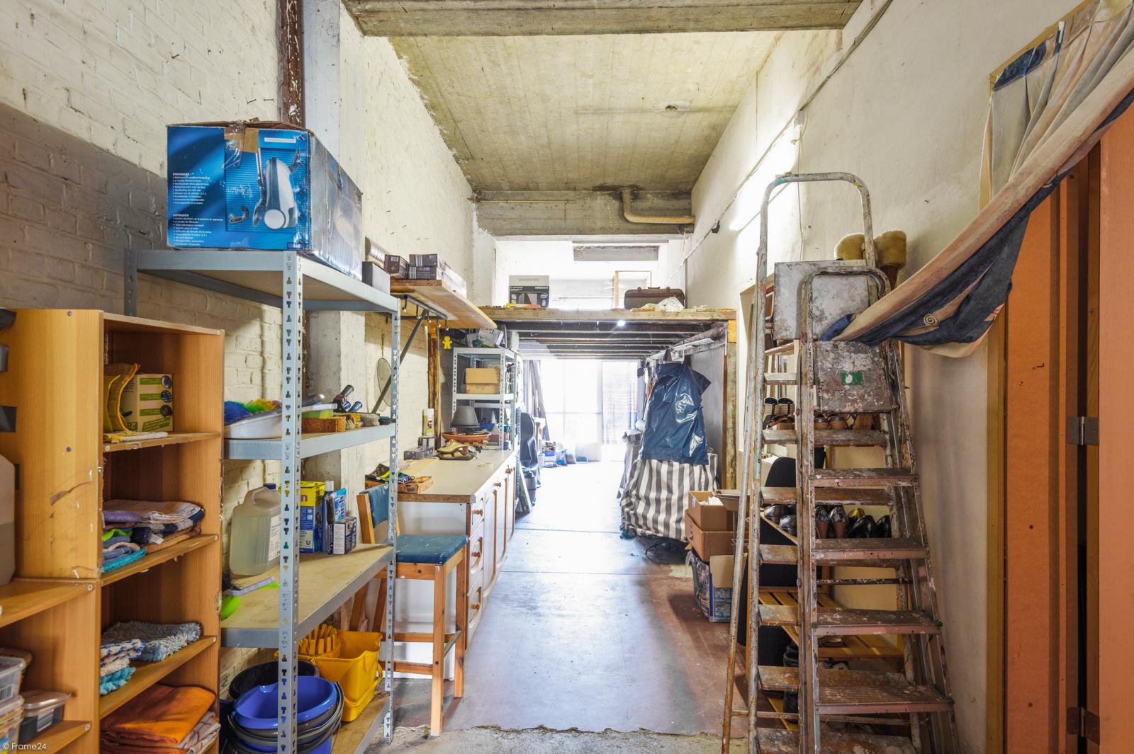Riant gelijkvloers appartement met aparte studio en gezellige tuin te Deurne-Zuid! afbeelding 21