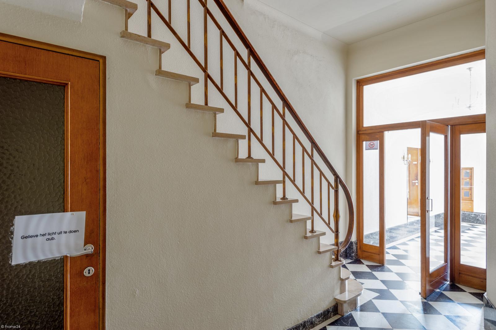 Riant gelijkvloers appartement met aparte studio en gezellige tuin te Deurne-Zuid! afbeelding 23