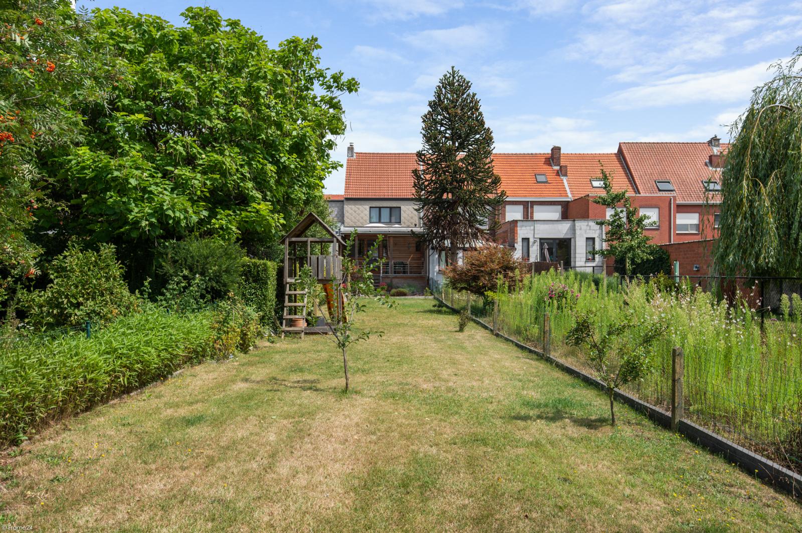 Ruime en instapklare eengezinswoning (160m²) met zonnige tuin te Wijnegem! afbeelding 11