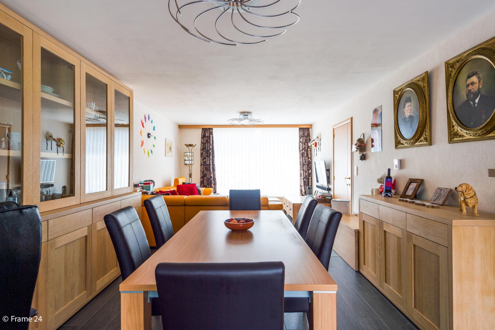 Ruime halfopen woning met 5 slaapkamers, garage en leuke tuin te Wijnegem! afbeelding 5