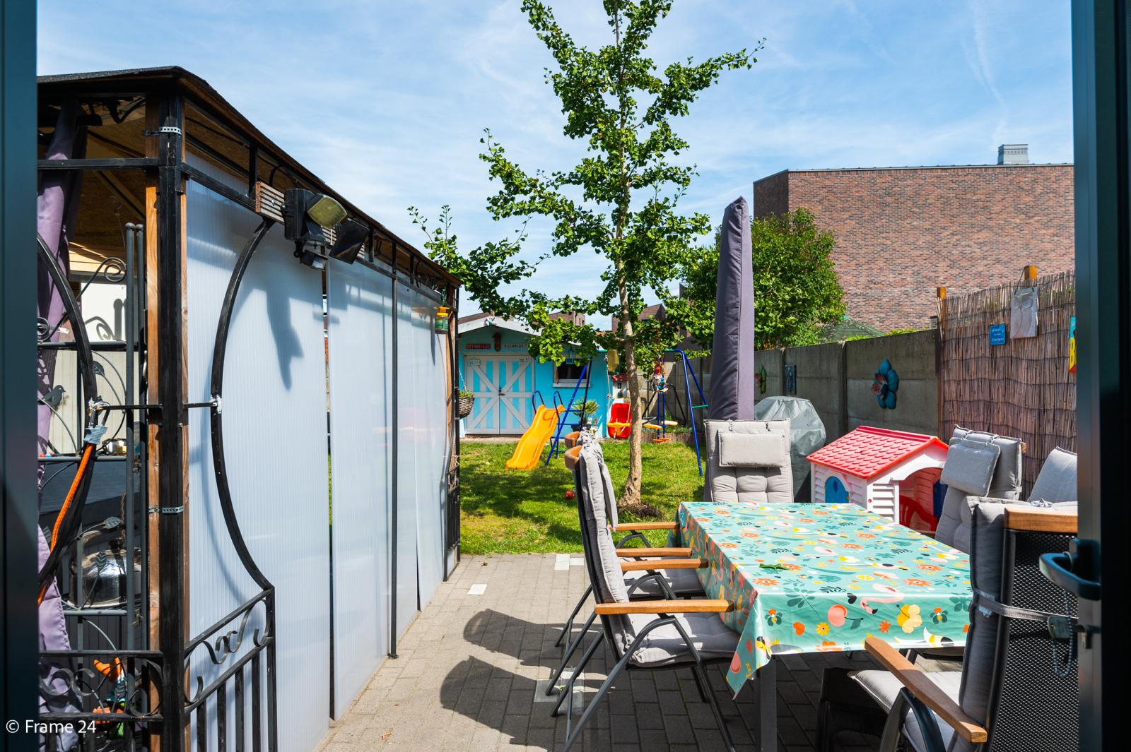Ruime halfopen woning met 5 slaapkamers, garage en leuke tuin te Wijnegem! afbeelding 12