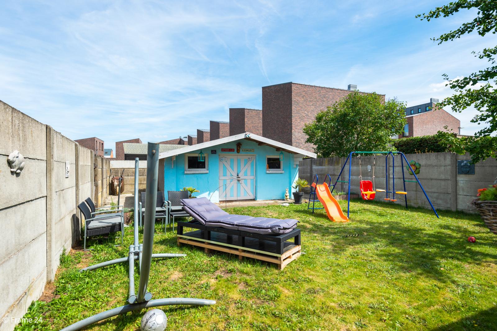 Ruime halfopen woning met 5 slaapkamers, garage en leuke tuin te Wijnegem! afbeelding 14