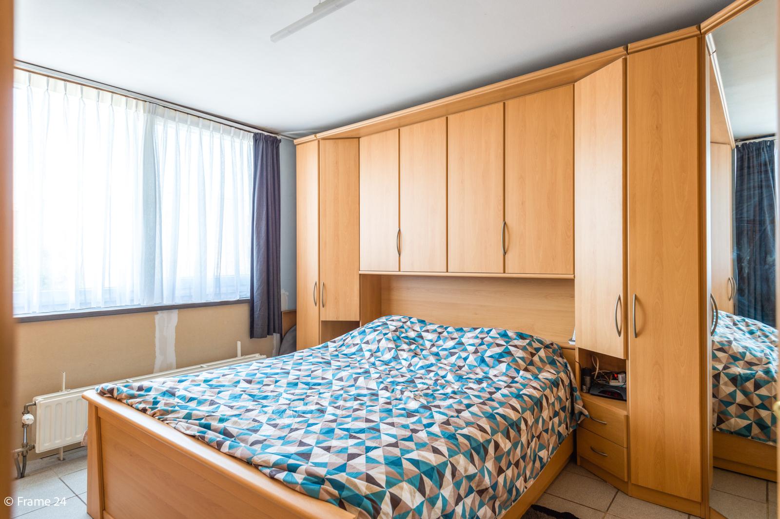 Ruime halfopen woning met 5 slaapkamers, garage en leuke tuin te Wijnegem! afbeelding 17