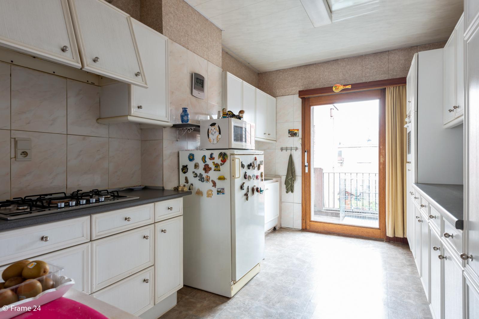 Uitzonderlijke woning met (220m²) met garage én magazijn (161m²) nabij Park Spoort Noord! afbeelding 7