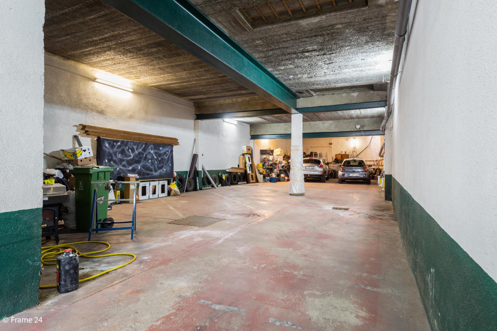 Uitzonderlijke woning met (220m²) met garage én magazijn (161m²) nabij Park Spoort Noord! afbeelding 25