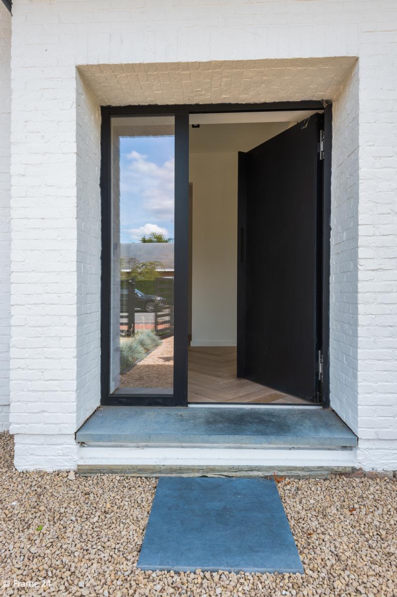 Nieuwe, vrijstaande woning in Wijnegem met hoogwaardige afwerking afbeelding 4