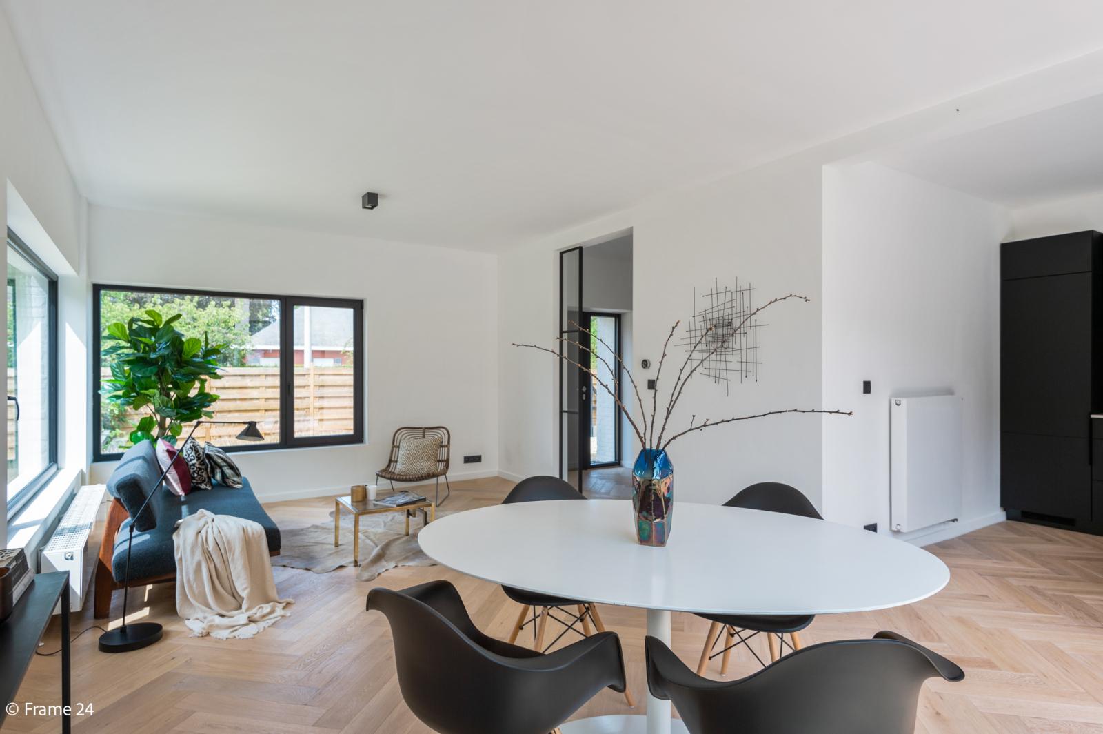 Nieuwe, vrijstaande woning in Wijnegem met hoogwaardige afwerking afbeelding 9