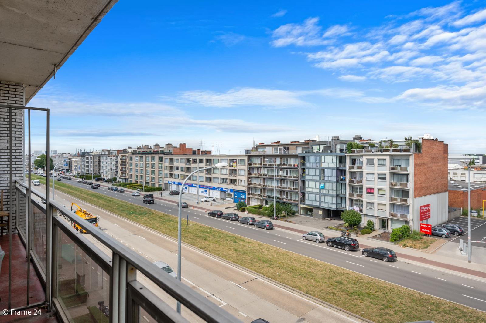 Vernieuwd appartement met twee slaapkamers op centrale locatie te Deurne! afbeelding 2