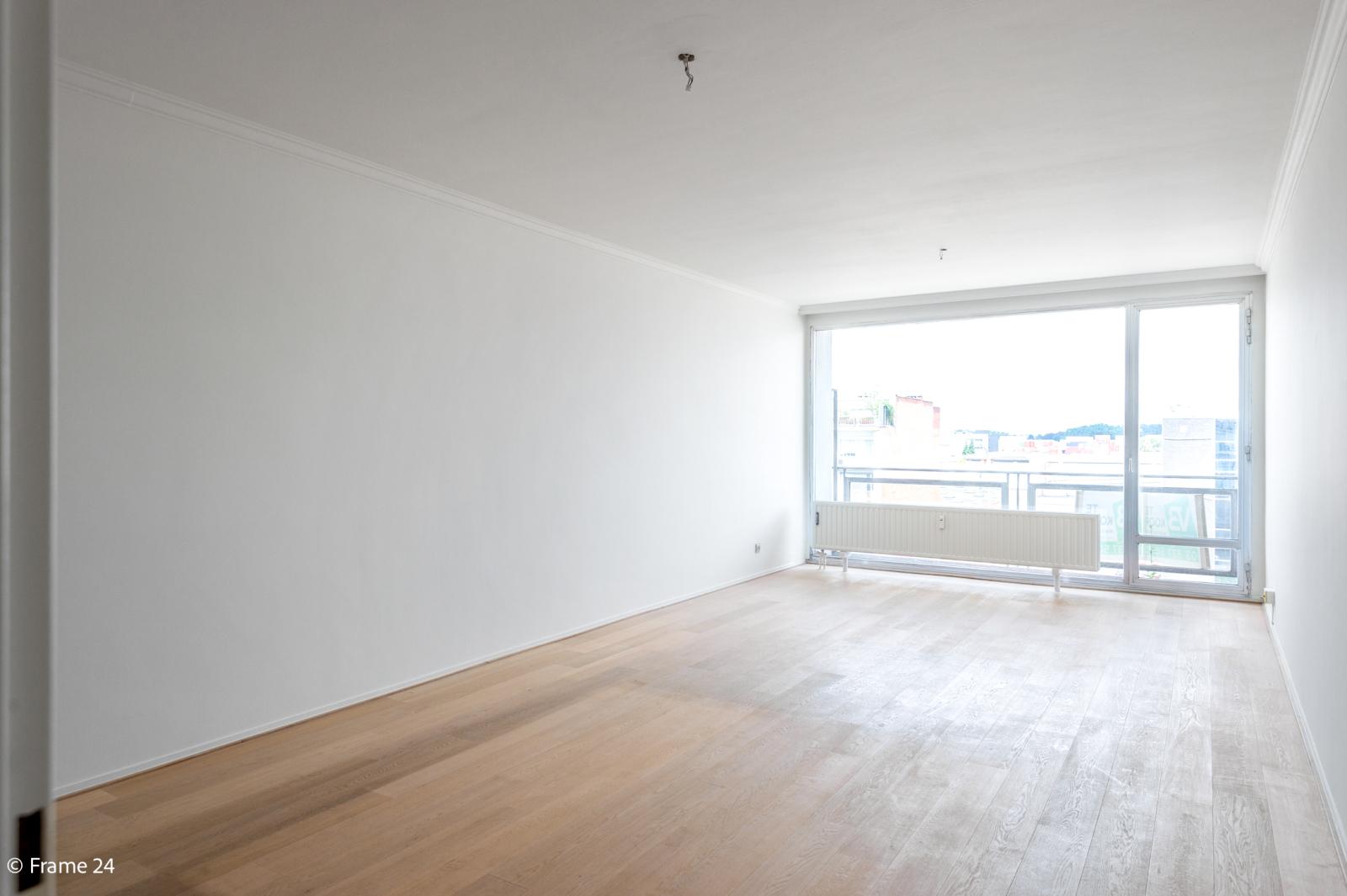 Vernieuwd appartement met twee slaapkamers op centrale locatie te Deurne! afbeelding 1