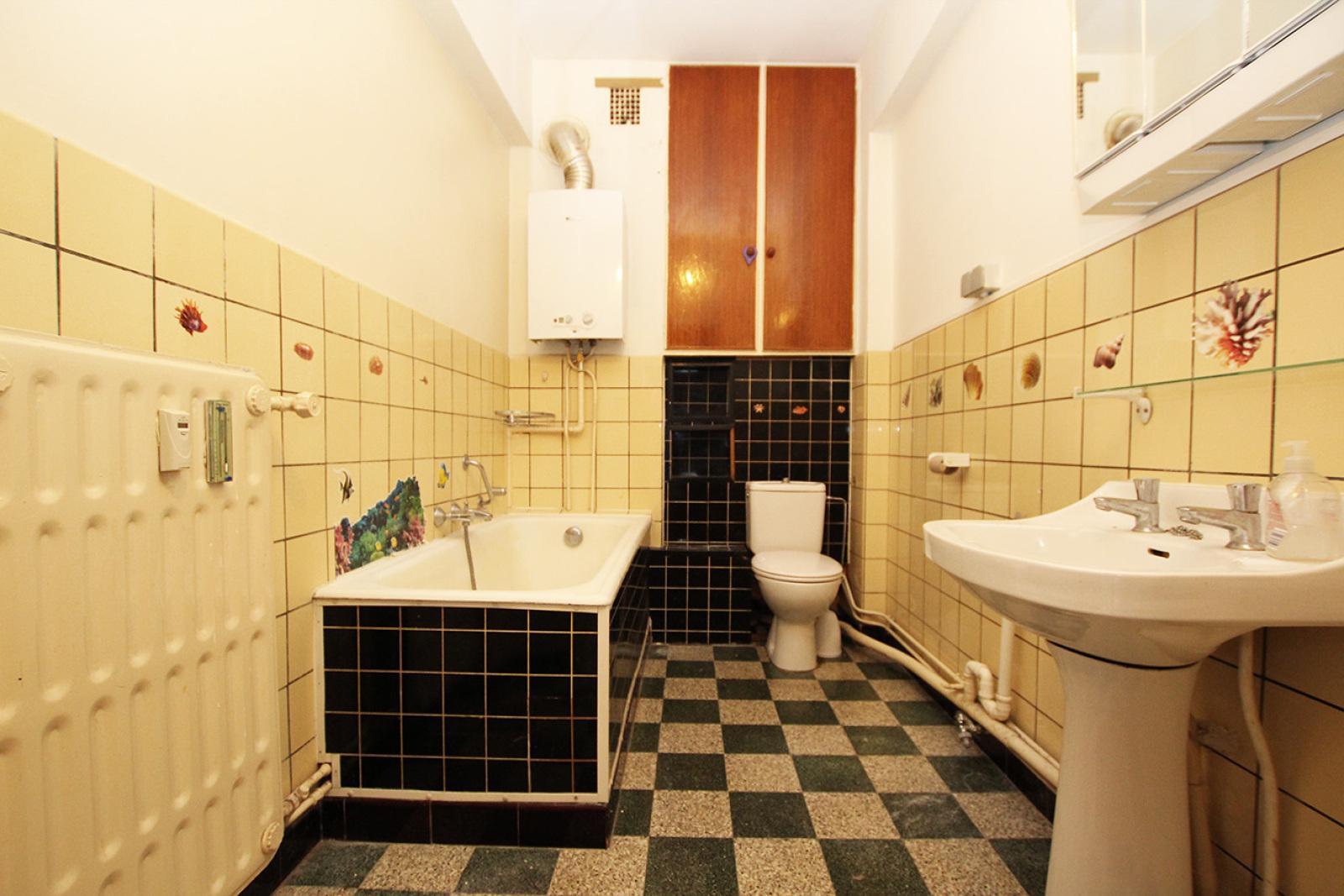 Te renoveren appartement met twee slaapkamers op centrale locatie te Merksem! afbeelding 7