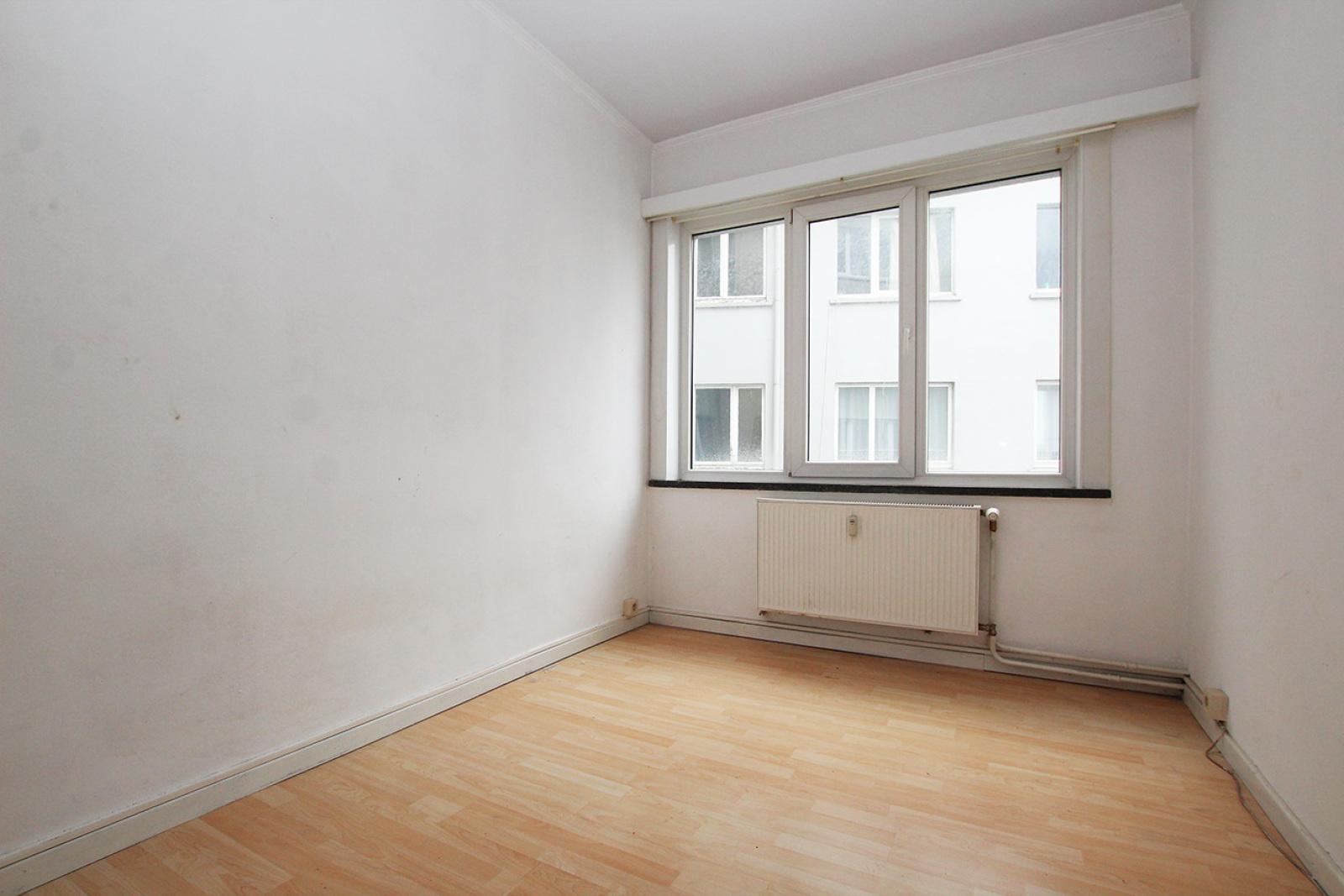 Te renoveren appartement met twee slaapkamers op centrale locatie te Merksem! afbeelding 6