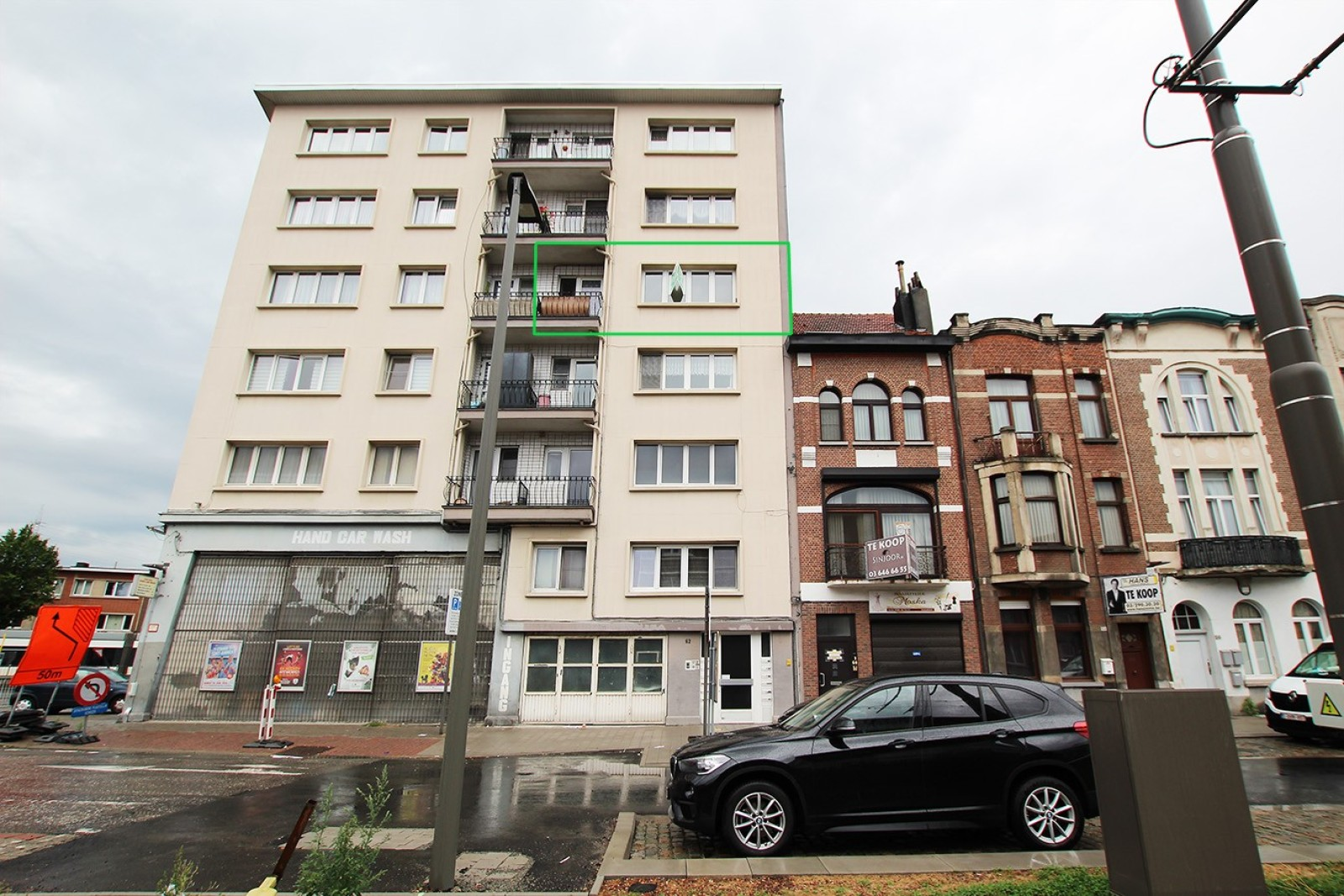 Te renoveren appartement met twee slaapkamers op centrale locatie te Merksem! afbeelding 1