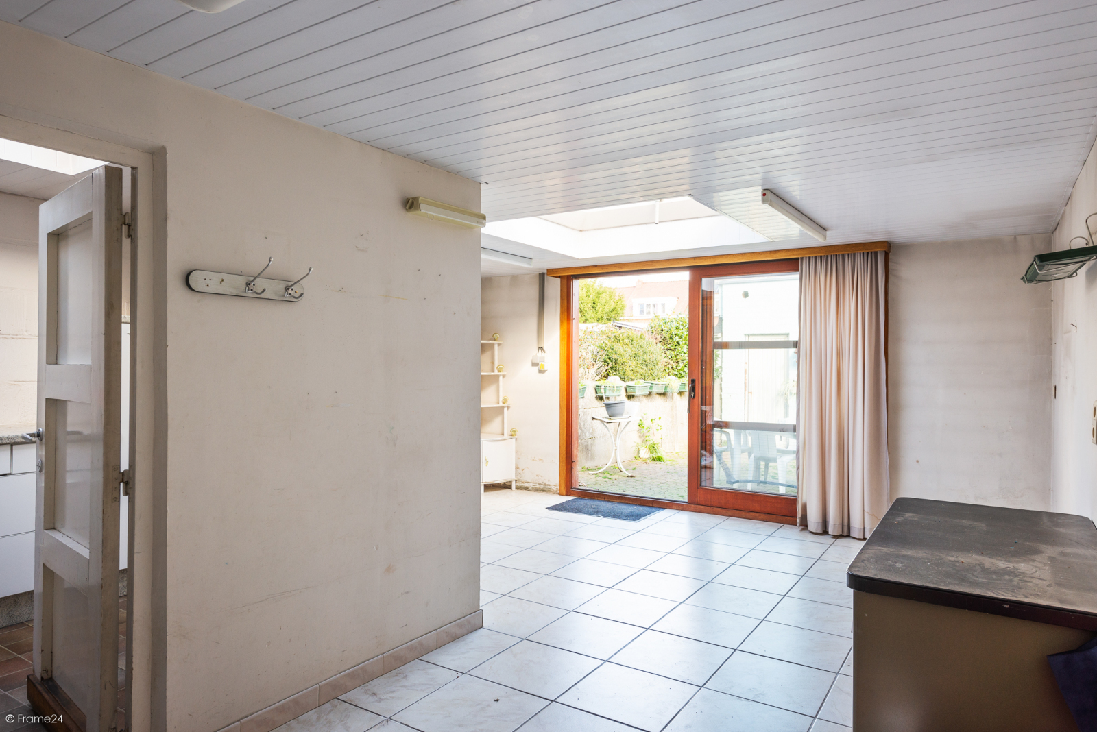 Te renoveren ruime woning met vijf slaapkamers en grote garage te Kontich! afbeelding 10