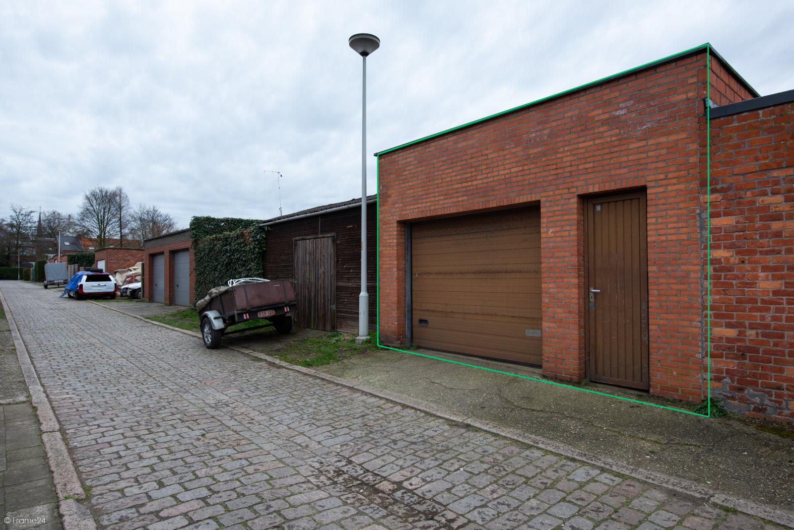 Te renoveren ruime woning met vijf slaapkamers en grote garage te Kontich! afbeelding 18