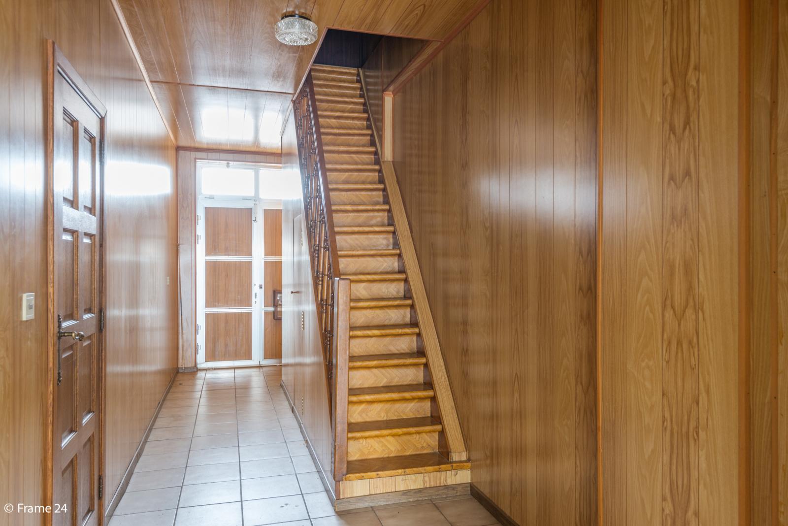 Te renoveren woning met tal van mogelijkheden in het centrum van Oelegem! afbeelding 15