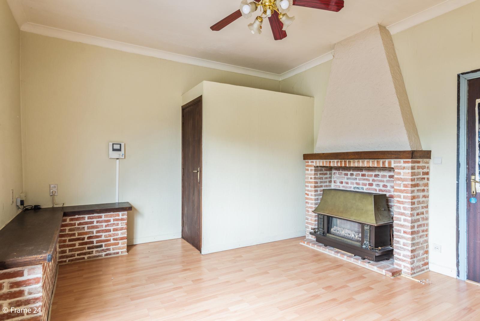Te renoveren woning met tal van mogelijkheden in het centrum van Oelegem! afbeelding 16