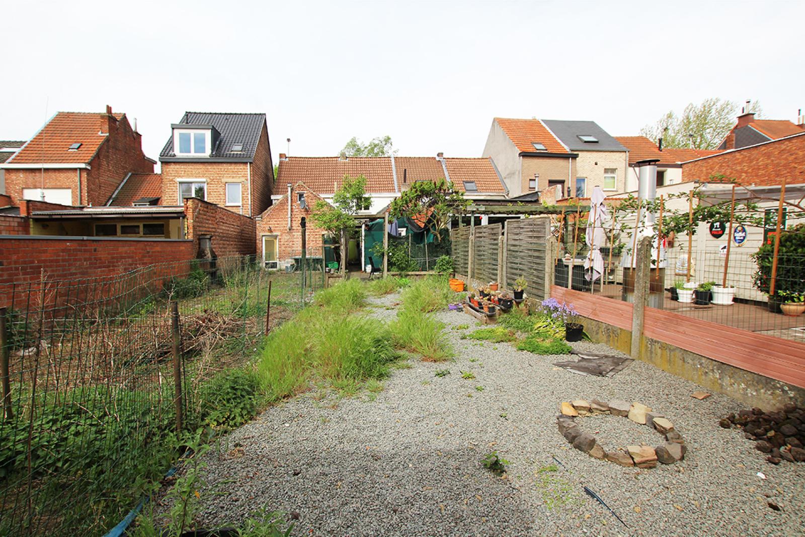 Volledig te renoveren eengezinswoning met twee slaapkamers, tuin en grote garage te Rumst! afbeelding 9