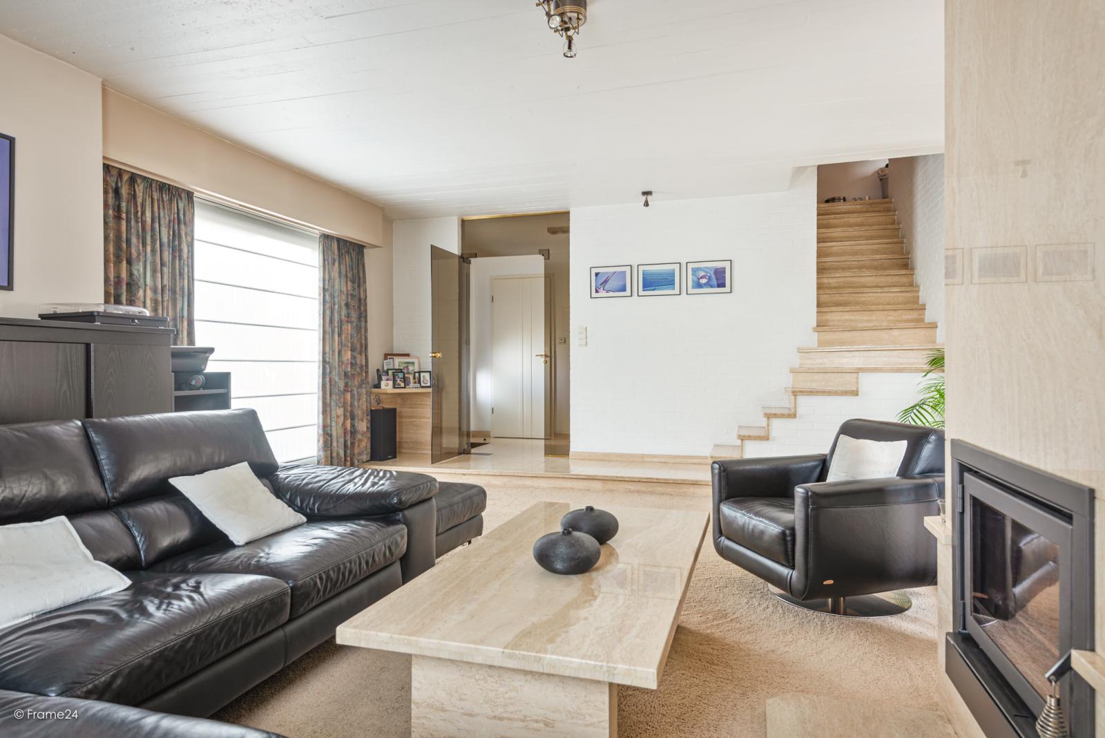 Zeer verzorgde halfopen woning met 4 slaapkamers en gelegen op een hoekperceel van 457 m²! afbeelding 5
