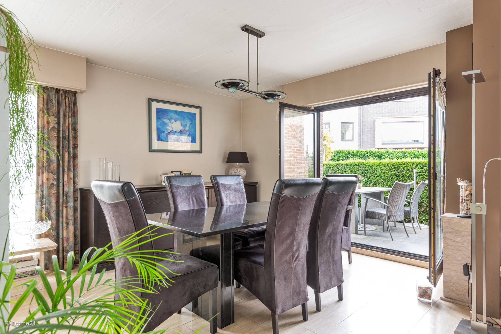 Zeer verzorgde halfopen woning met 4 slaapkamers en gelegen op een hoekperceel van 457 m²! afbeelding 8