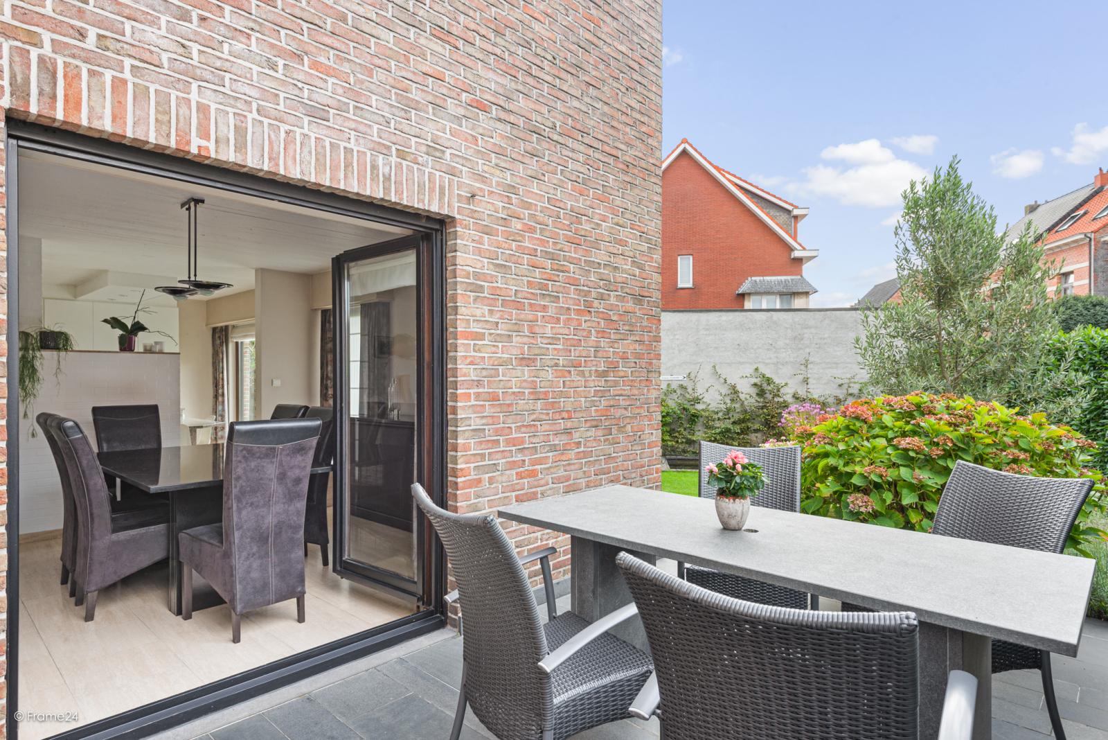 Zeer verzorgde halfopen woning met 4 slaapkamers en gelegen op een hoekperceel van 457 m²! afbeelding 20