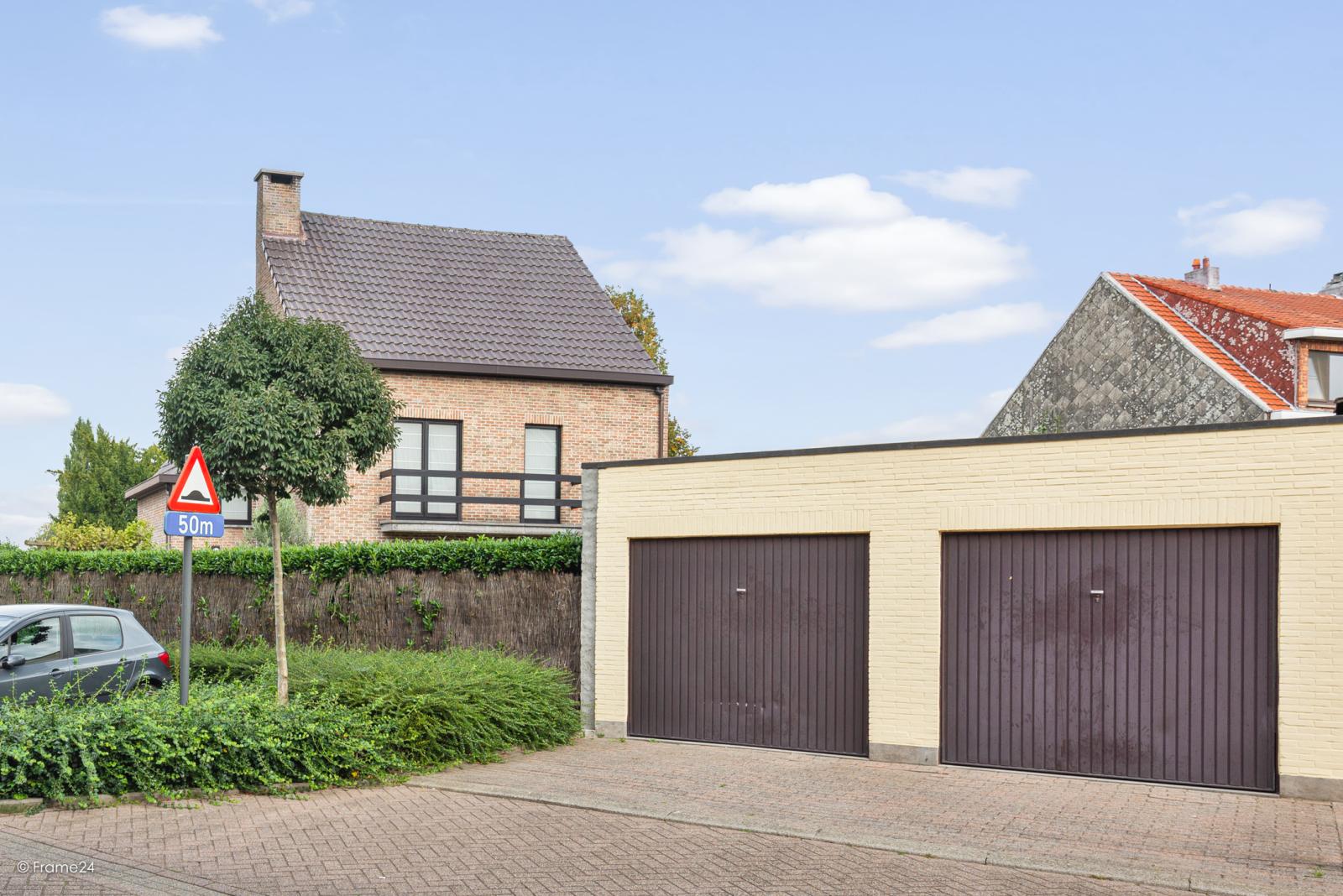 Zeer verzorgde halfopen woning met 4 slaapkamers en gelegen op een hoekperceel van 457 m²! afbeelding 27