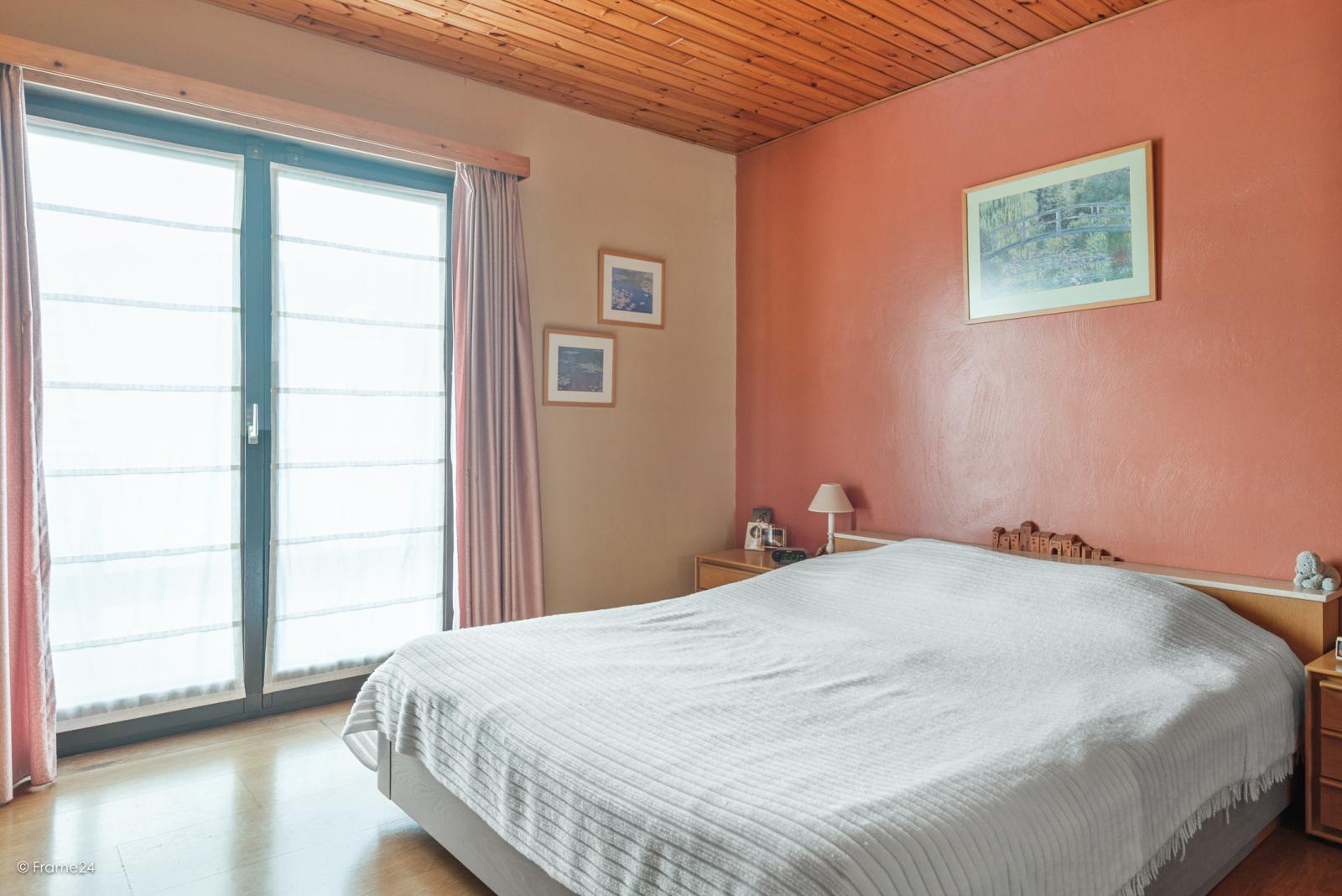 Zeer verzorgde halfopen woning met 4 slaapkamers en gelegen op een hoekperceel van 457 m²! afbeelding 14