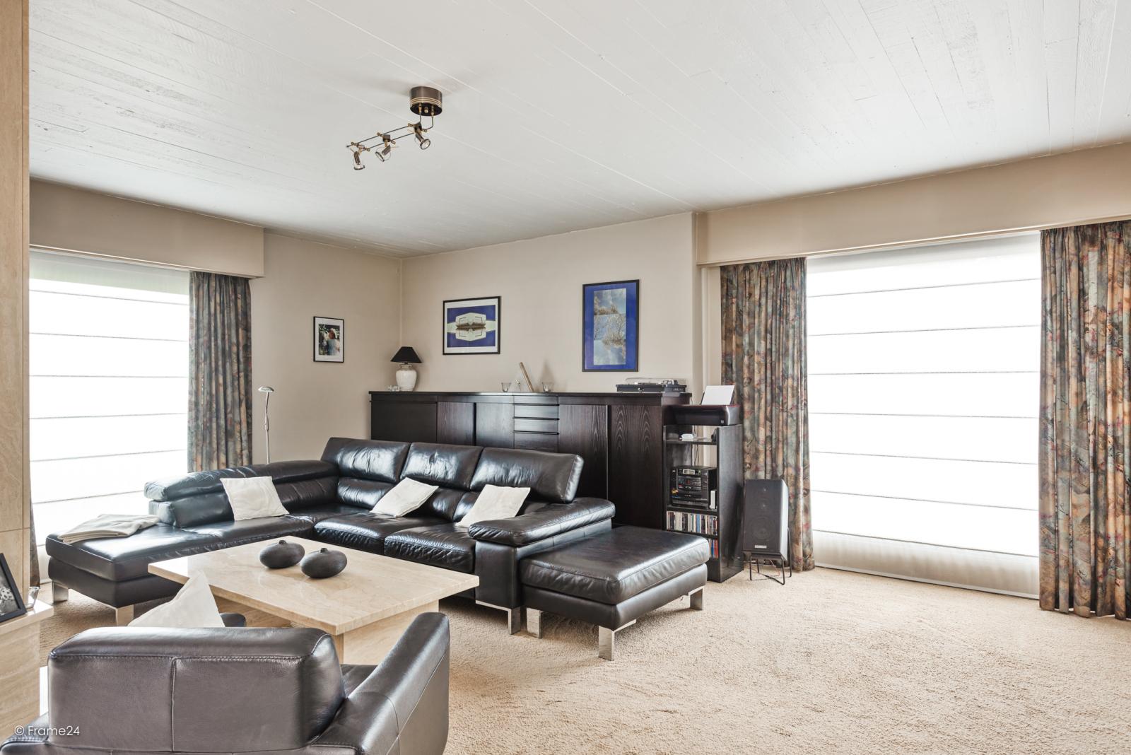 Zeer verzorgde halfopen woning met 4 slaapkamers en gelegen op een hoekperceel van 457 m²! afbeelding 6
