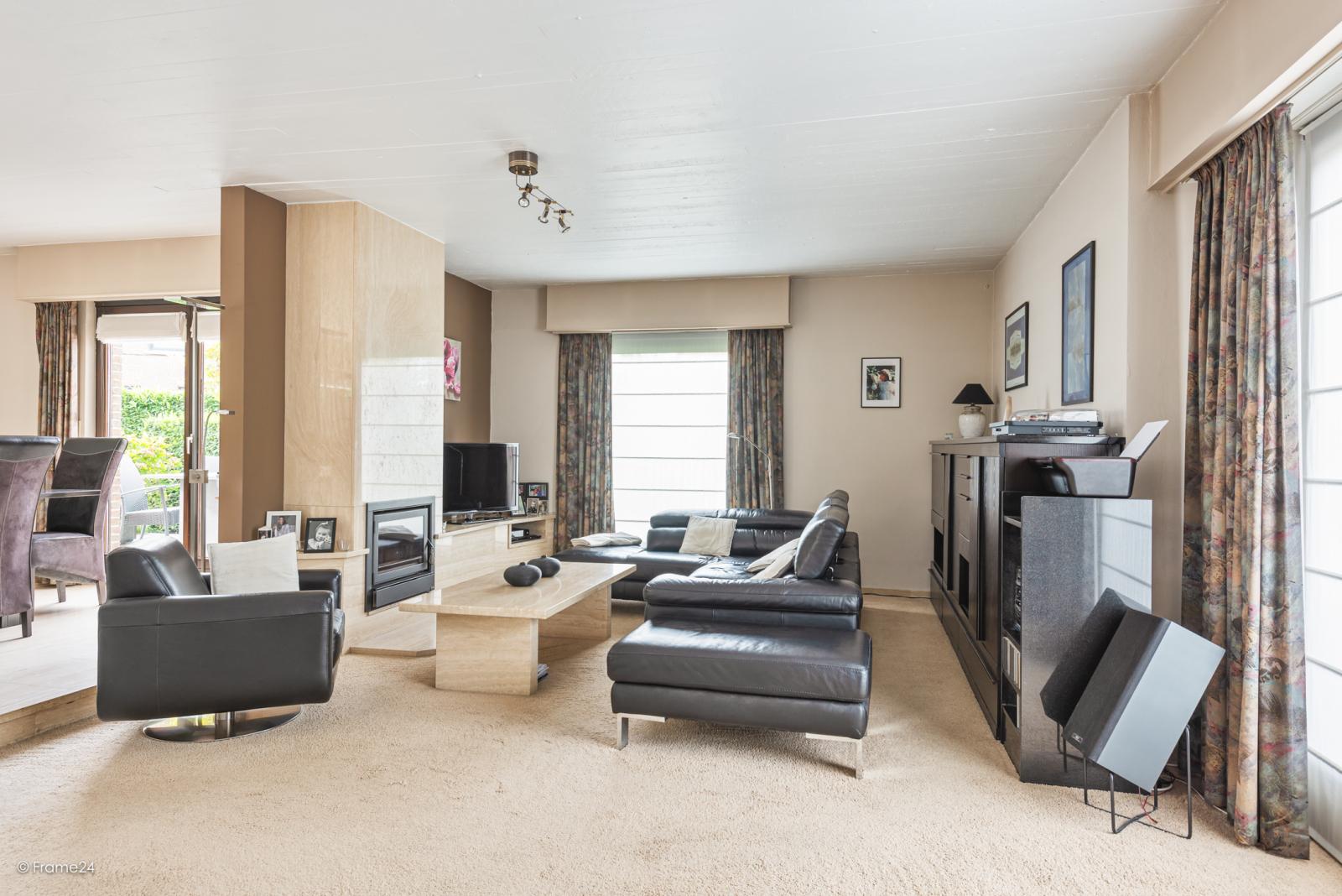 Zeer verzorgde halfopen woning met 4 slaapkamers en gelegen op een hoekperceel van 457 m²! afbeelding 4