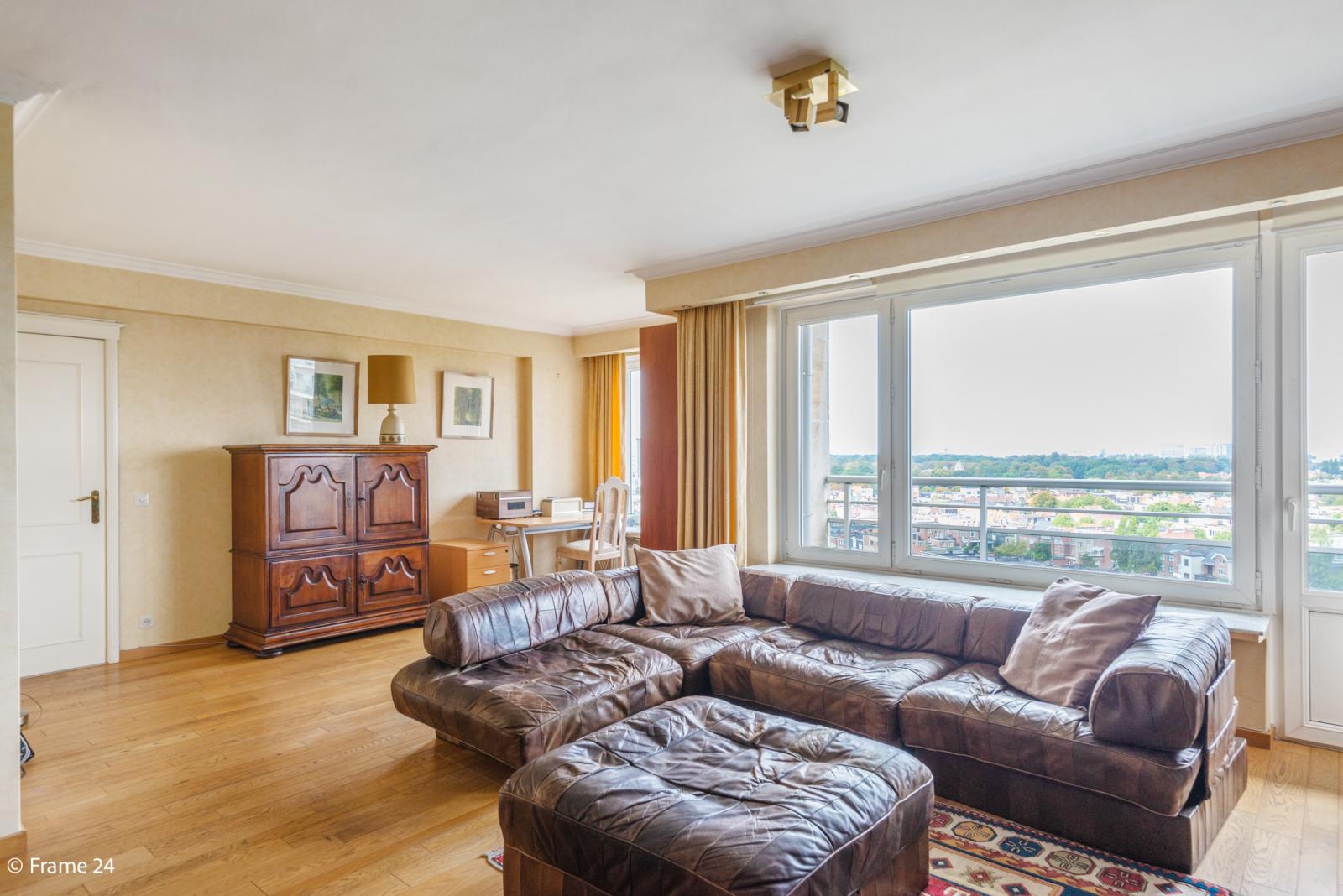 Appartement met 3 slaapkamers op gunstige locatie in Berchem. afbeelding 1