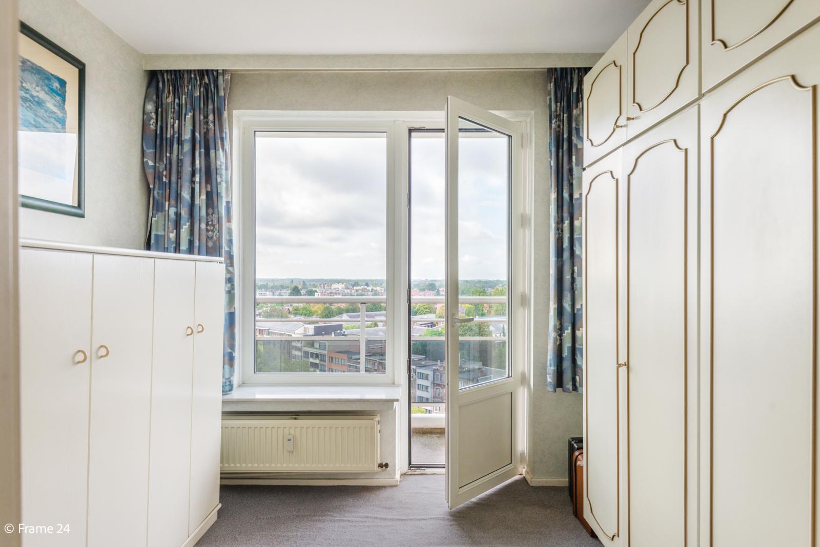 Appartement met 3 slaapkamers op gunstige locatie in Berchem. afbeelding 8