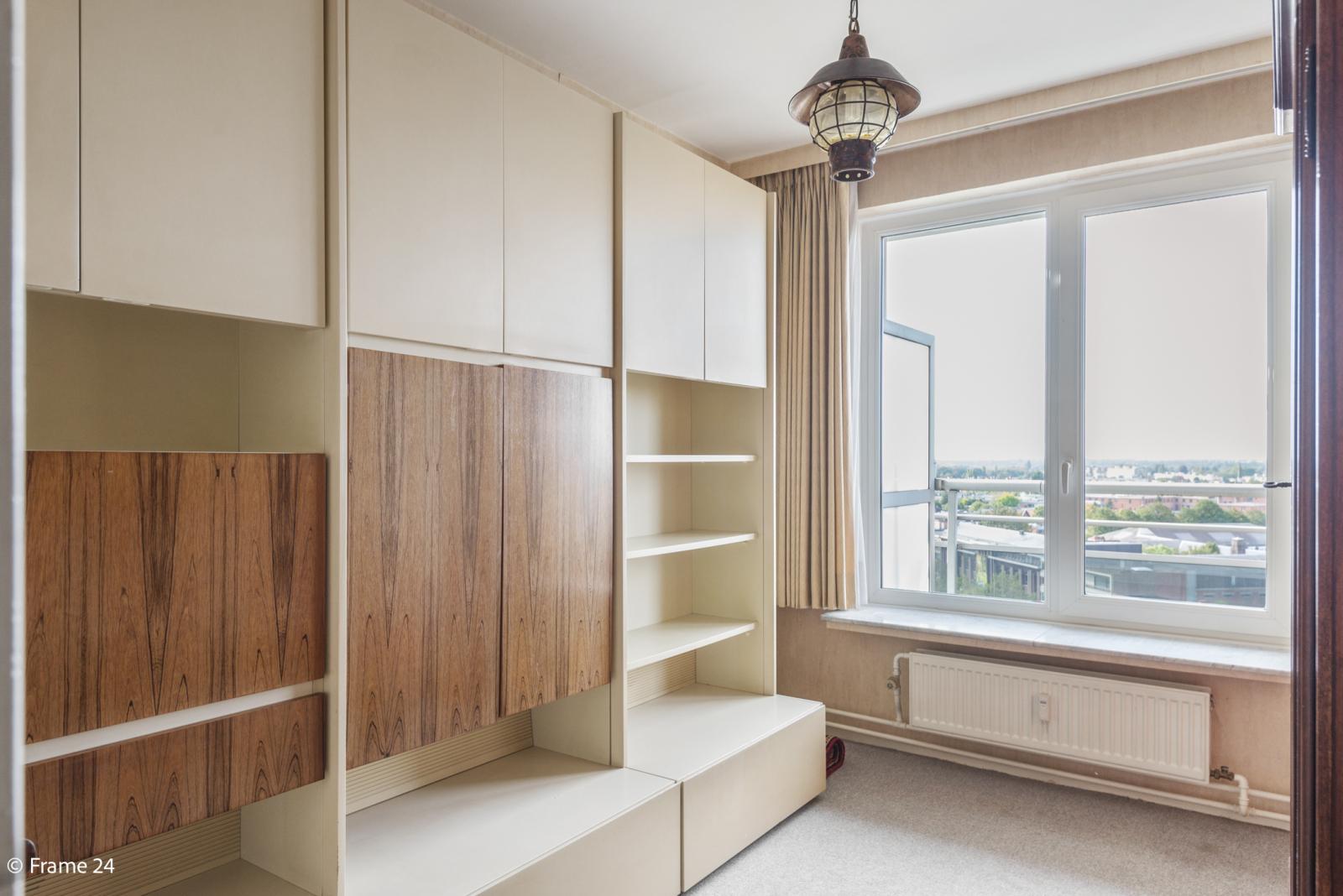 Appartement met 3 slaapkamers op gunstige locatie in Berchem. afbeelding 11