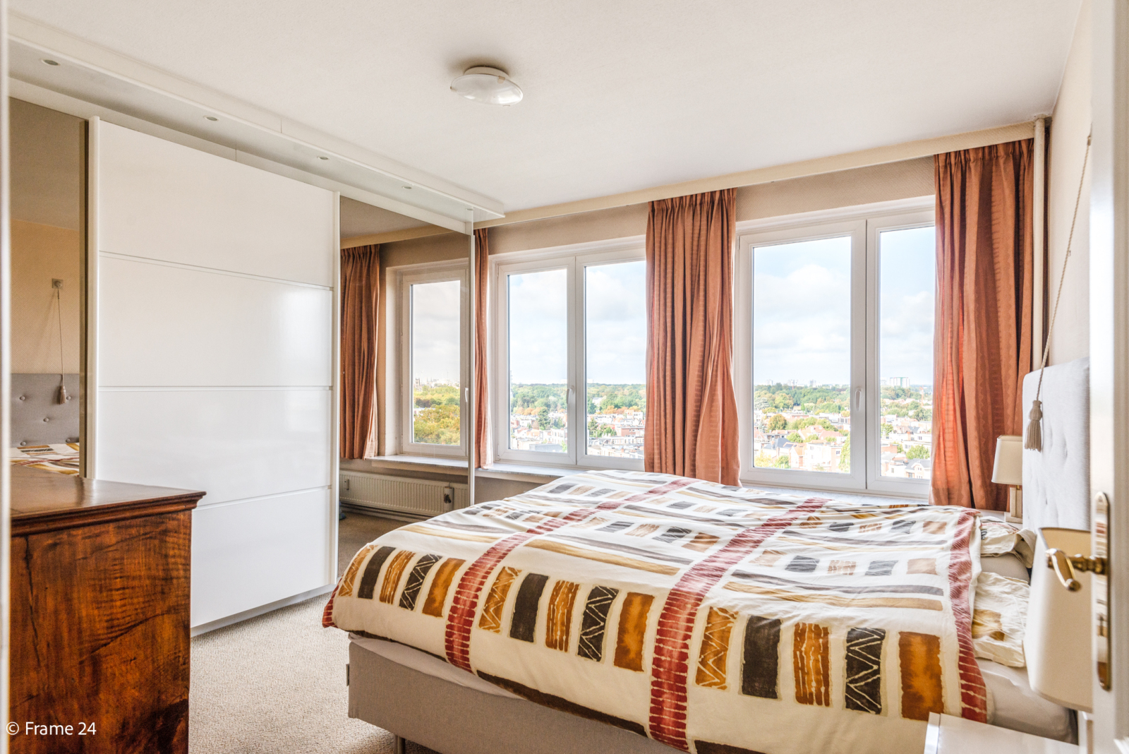 Appartement met 3 slaapkamers op gunstige locatie in Berchem. afbeelding 12