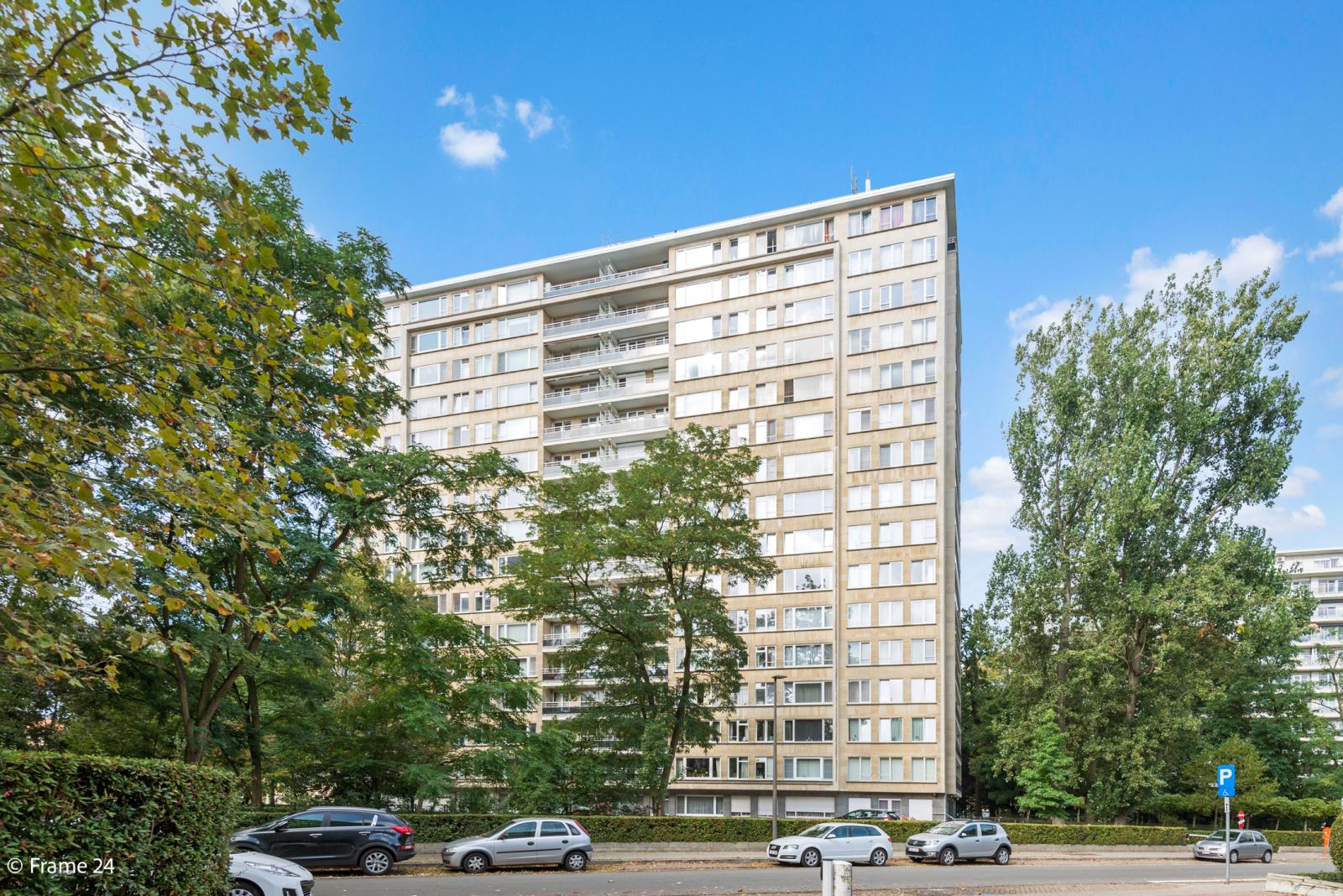 Appartement met 3 slaapkamers op gunstige locatie in Berchem. afbeelding 16