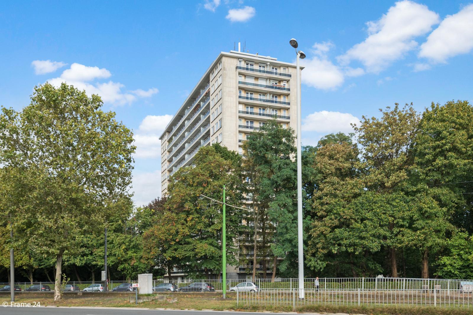 Appartement met 3 slaapkamers op gunstige locatie in Berchem. afbeelding 17