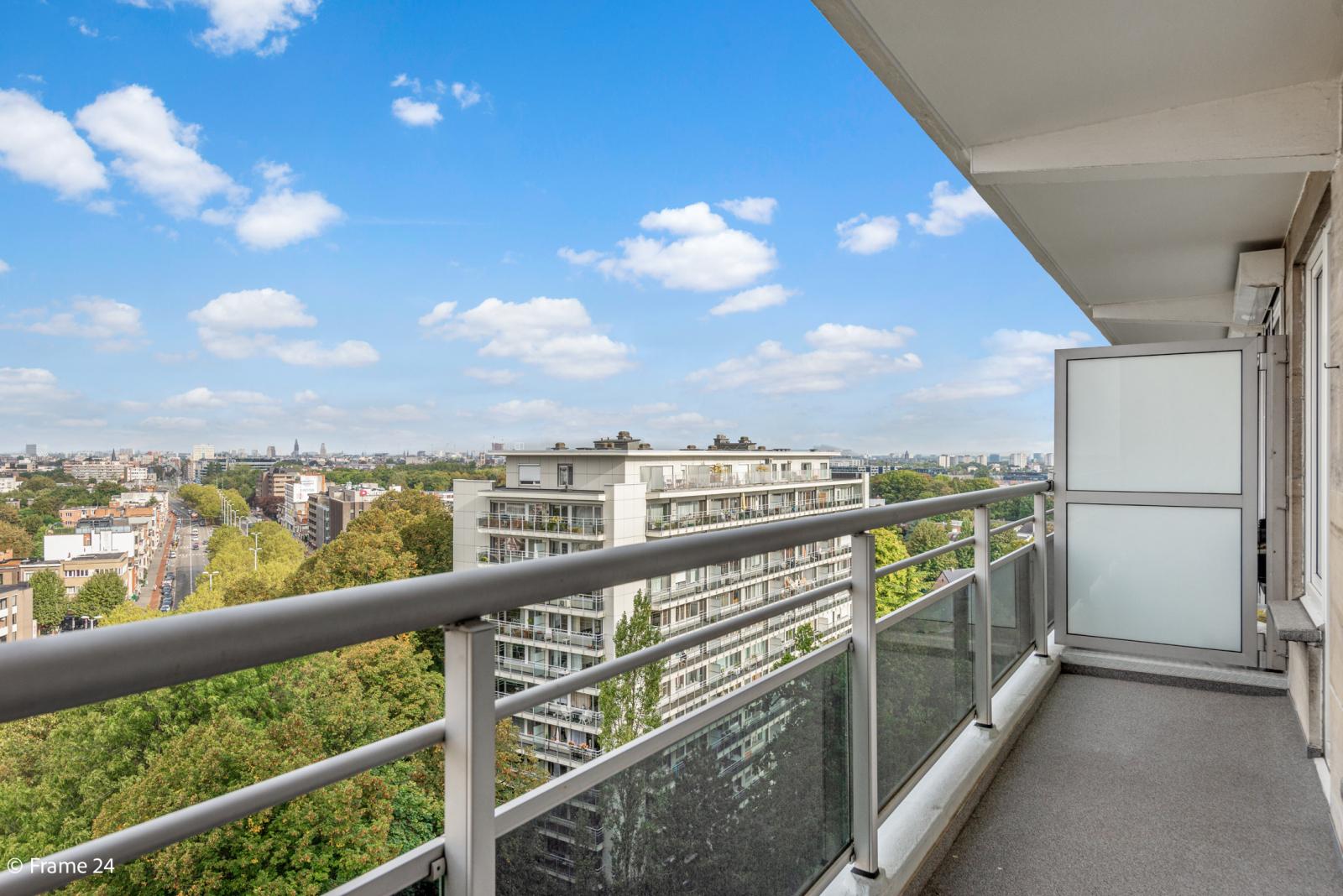 Appartement met 3 slaapkamers op gunstige locatie in Berchem. afbeelding 13