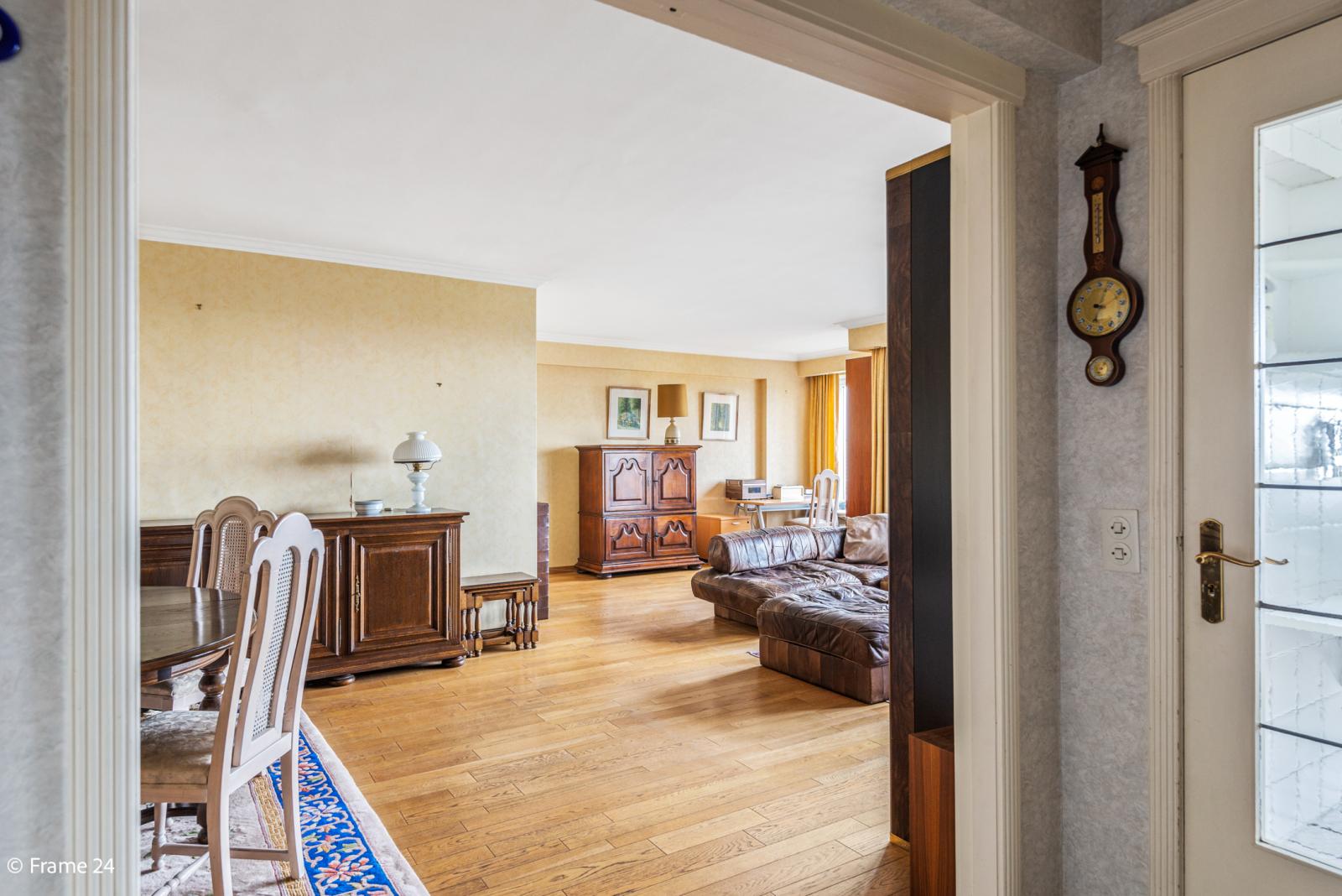 Appartement met 3 slaapkamers op gunstige locatie in Berchem. afbeelding 2