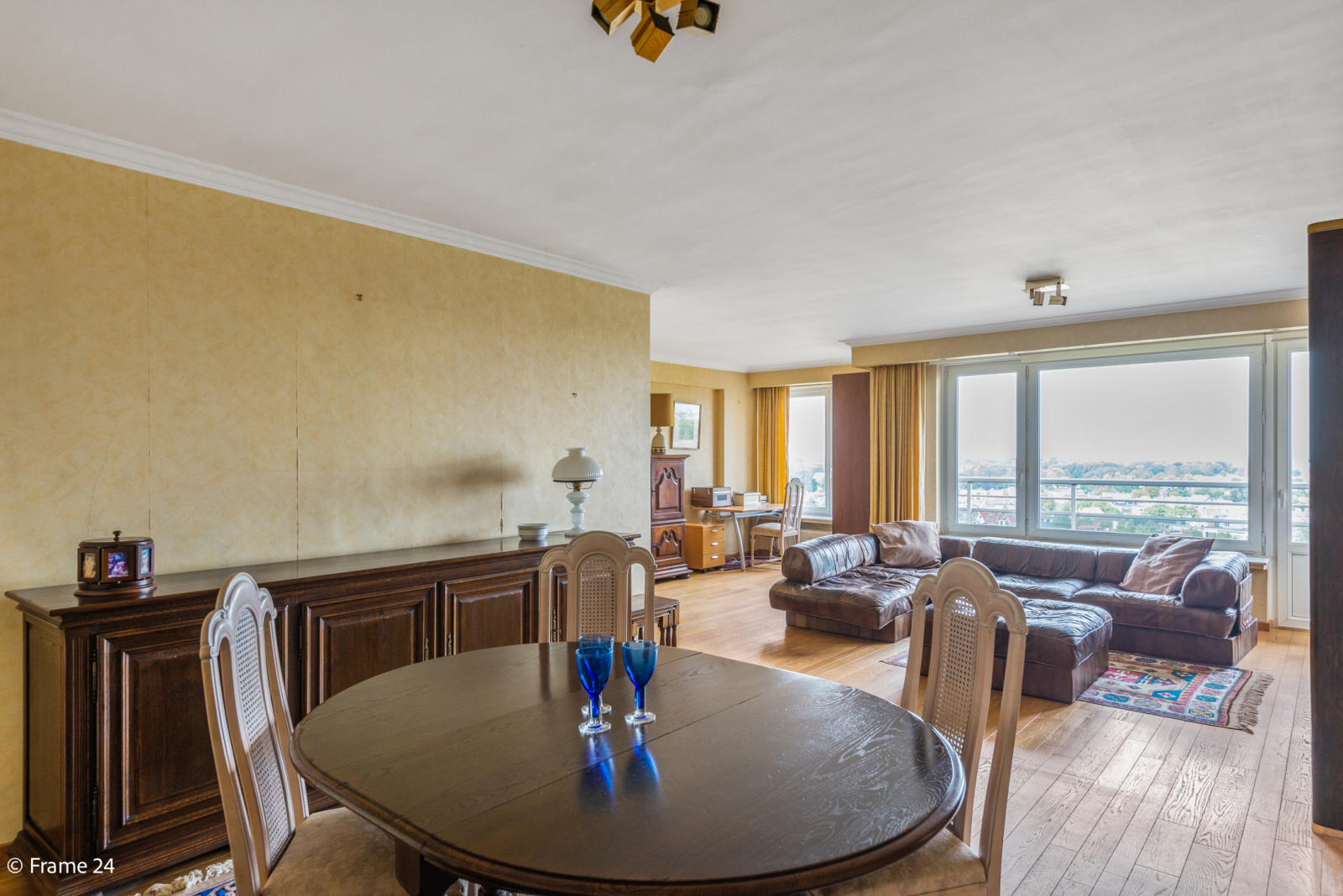 Appartement met 3 slaapkamers op gunstige locatie in Berchem. afbeelding 3