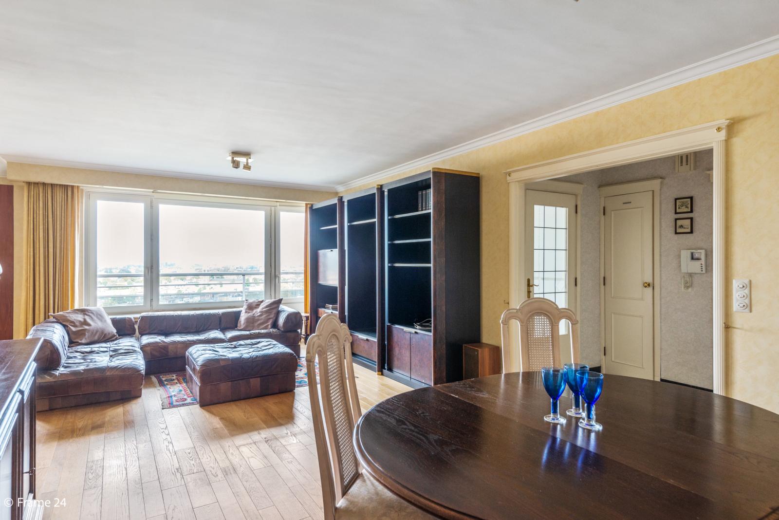 Appartement met 3 slaapkamers op gunstige locatie in Berchem. afbeelding 4