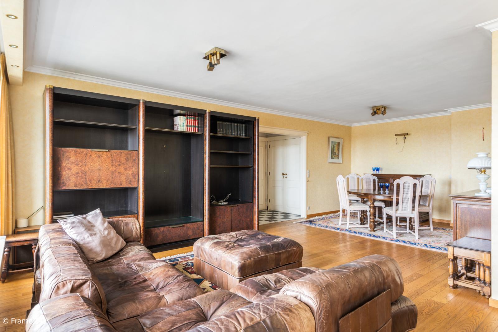 Appartement met 3 slaapkamers op gunstige locatie in Berchem. afbeelding 5