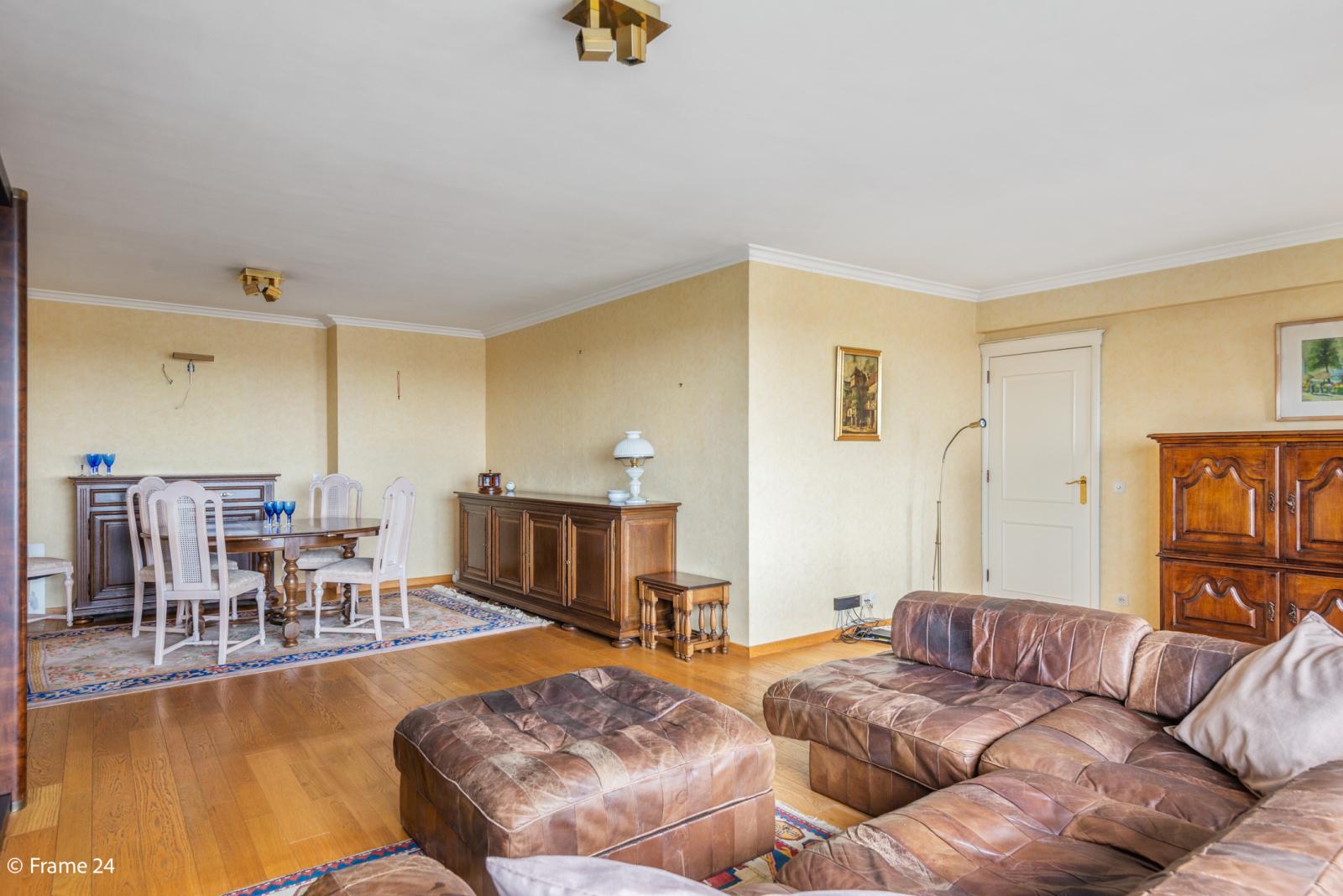 Appartement met 3 slaapkamers op gunstige locatie in Berchem. afbeelding 6