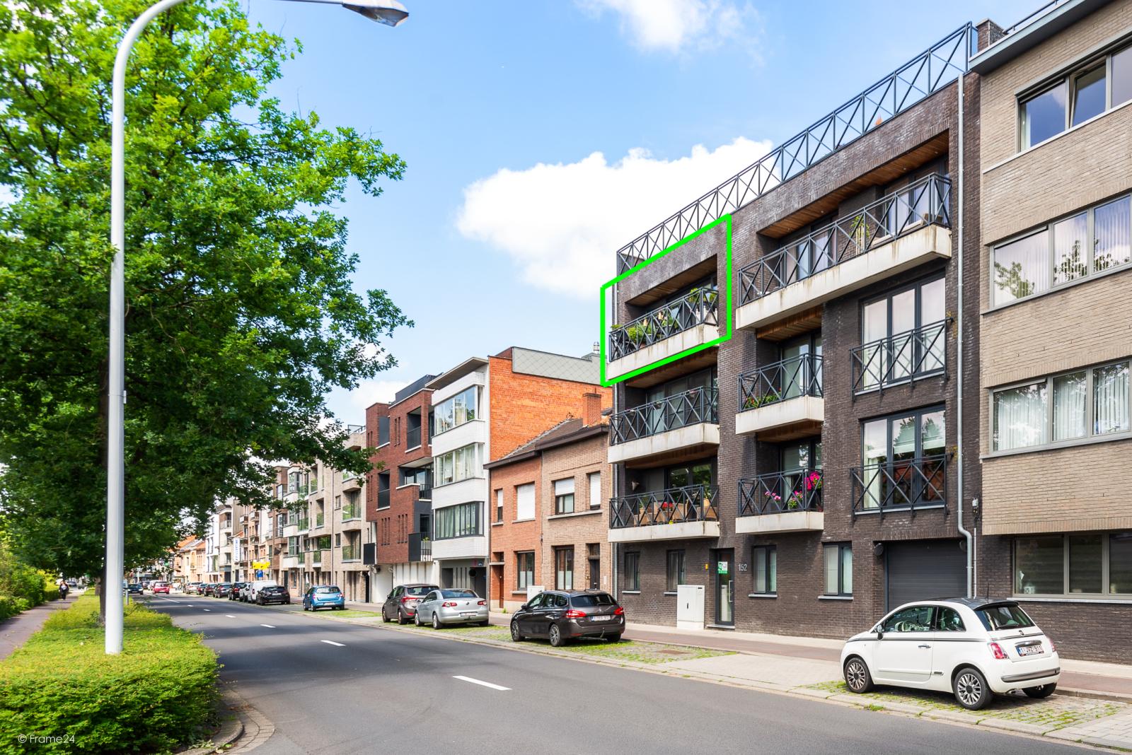 Prachtig instapklaar appartement met twee ruime slaapkamers nabij het centrum van Schoten! afbeelding 1