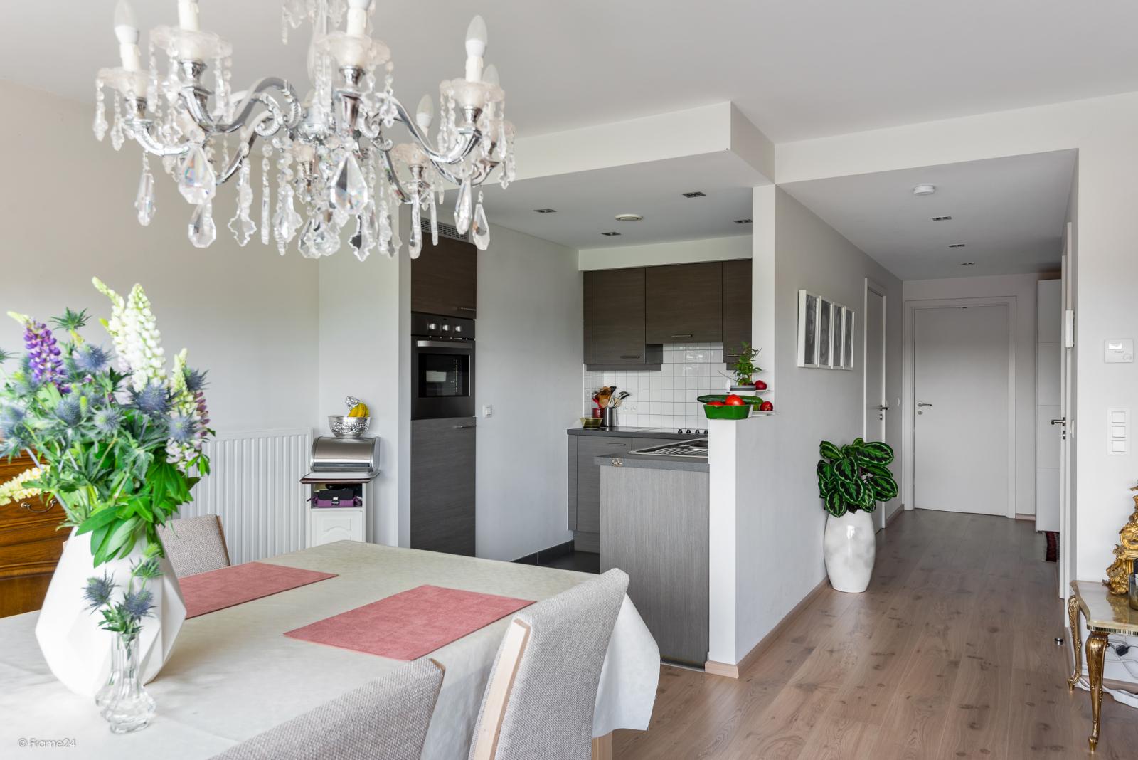 Prachtig instapklaar appartement met twee ruime slaapkamers nabij het centrum van Schoten! afbeelding 3