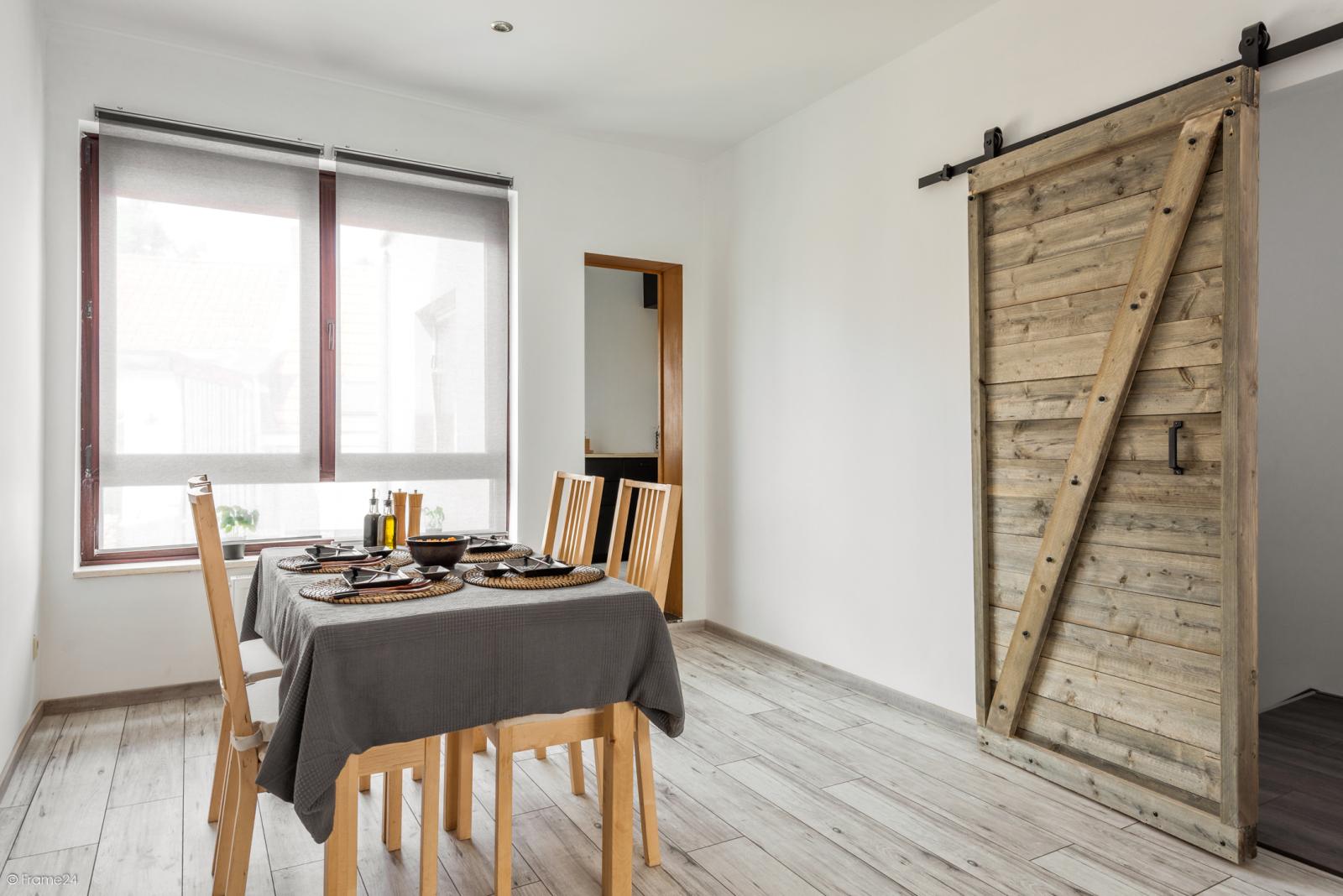 Zeer mooie bel-étage woning met inpandige garage en gezellige patio! afbeelding 9