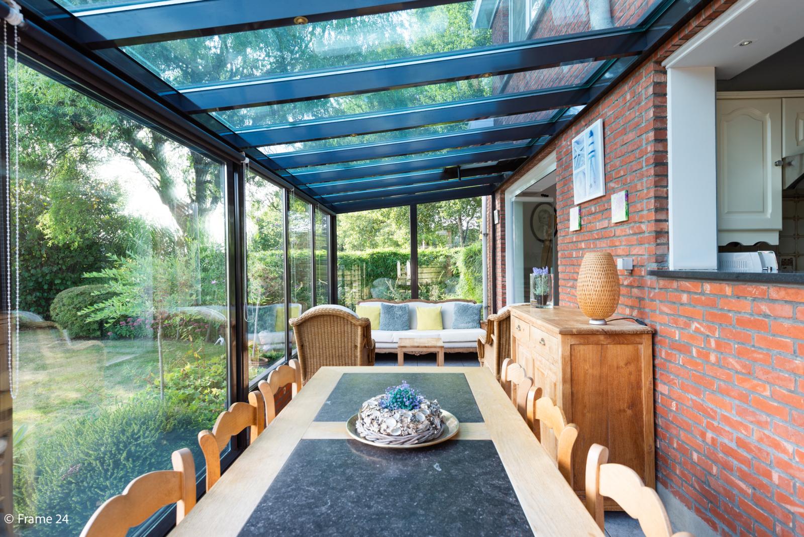 Mooie woning met grote weide (2.700 m²) te Wommelgem. Ideaal voor het houden van paarden of schapen! afbeelding 4