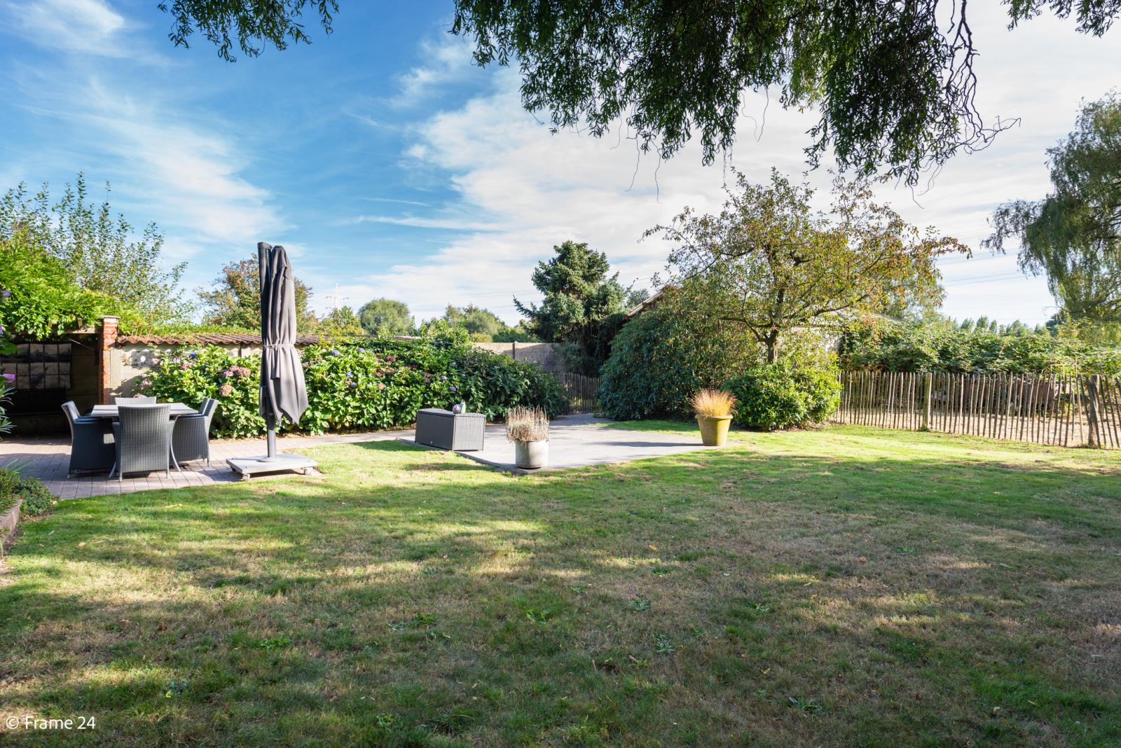Mooie woning met grote weide (2.700 m²) te Wommelgem. Ideaal voor het houden van paarden of schapen! afbeelding 29