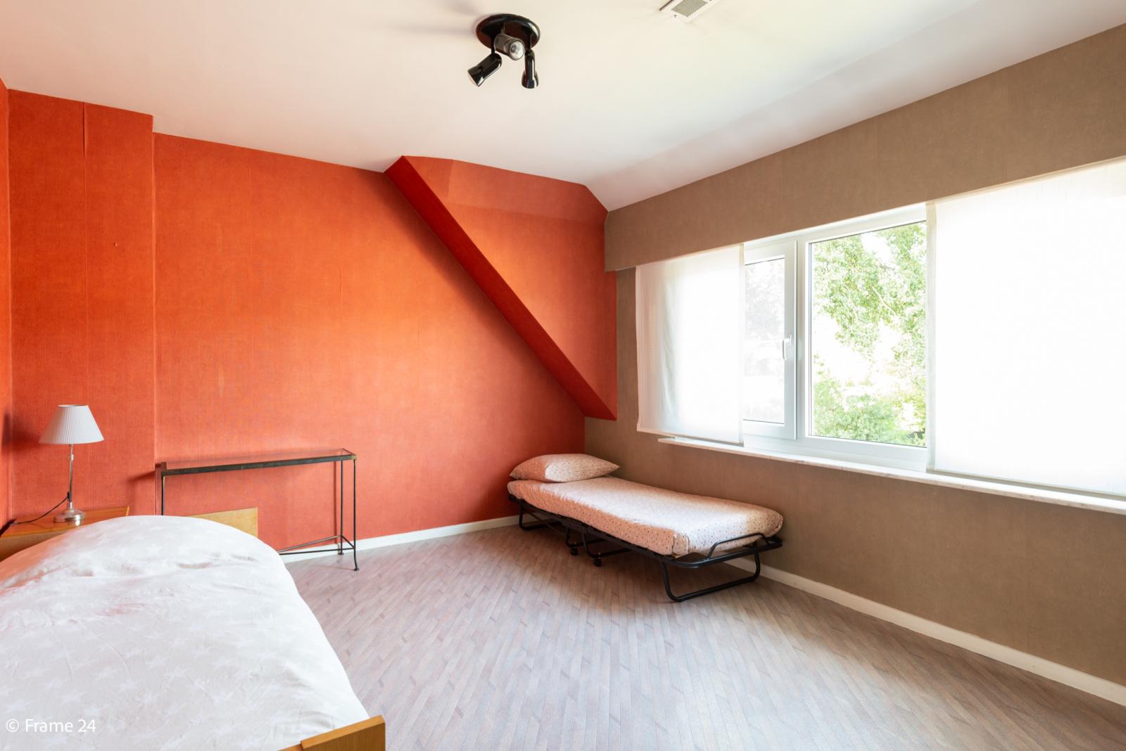 Mooie woning met grote weide (2.700 m²) te Wommelgem. Ideaal voor het houden van paarden of schapen! afbeelding 19