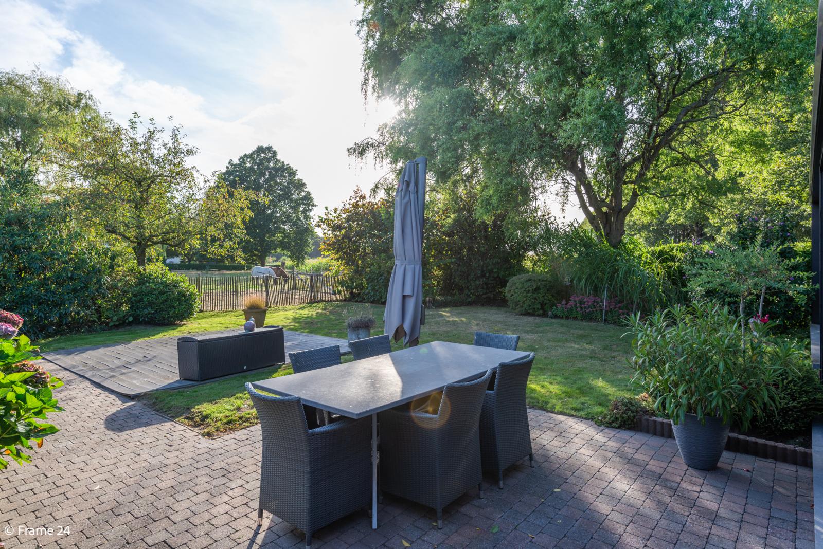 Mooie woning met grote weide (2.700 m²) te Wommelgem. Ideaal voor het houden van paarden of schapen! afbeelding 28
