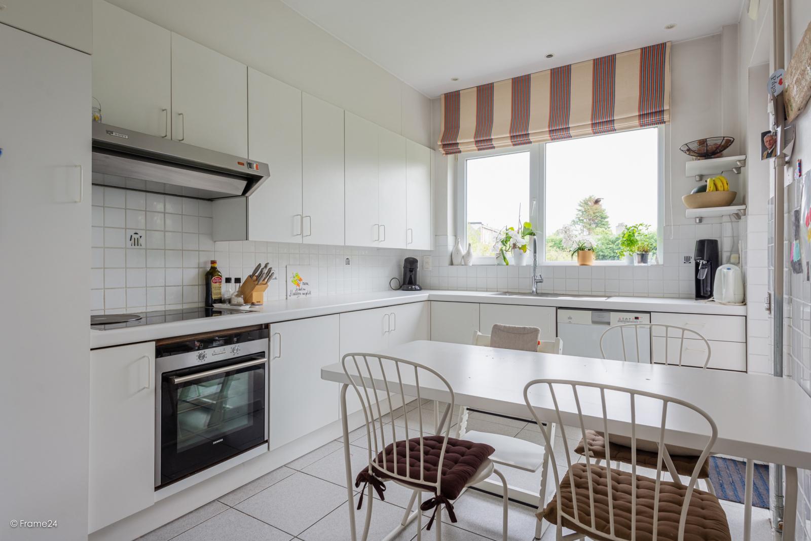 Zeer ruime en volledig instapklare bel-étagewoning met 4 slaapkamers te Wilrijk! afbeelding 9
