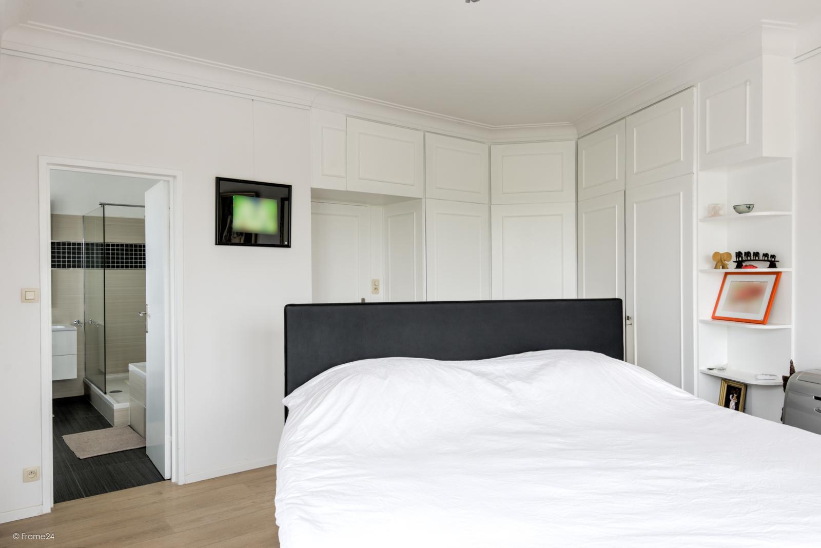 Uitzonderlijk appartement (+/- 250m²) met panoramische uitzichten te Antwerpen! afbeelding 16